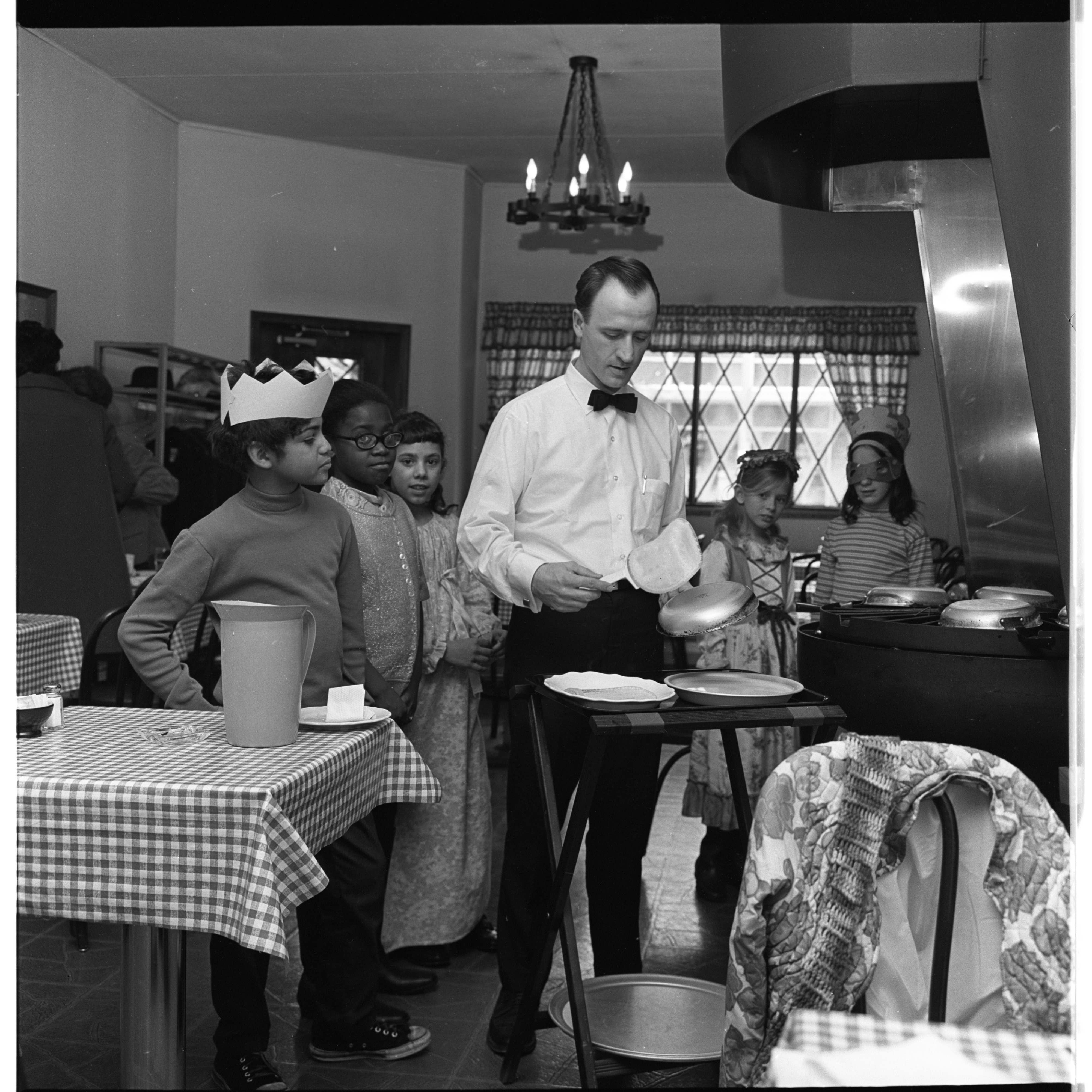 Chef Ken Ludwig making crepes at Chez Crepe, February 1970 image