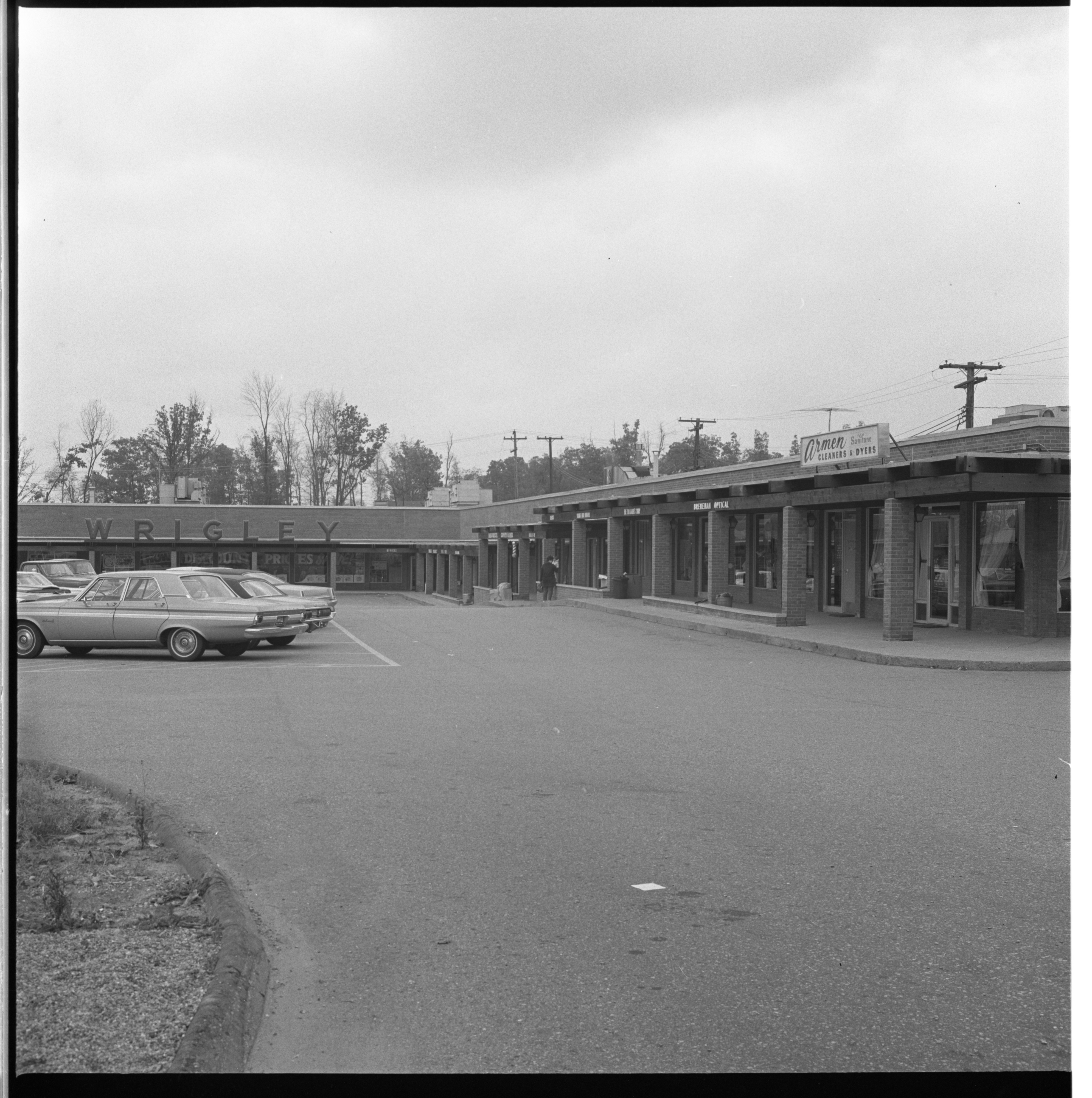 Lamp Post Plaza Shopping Center, October 1969 image