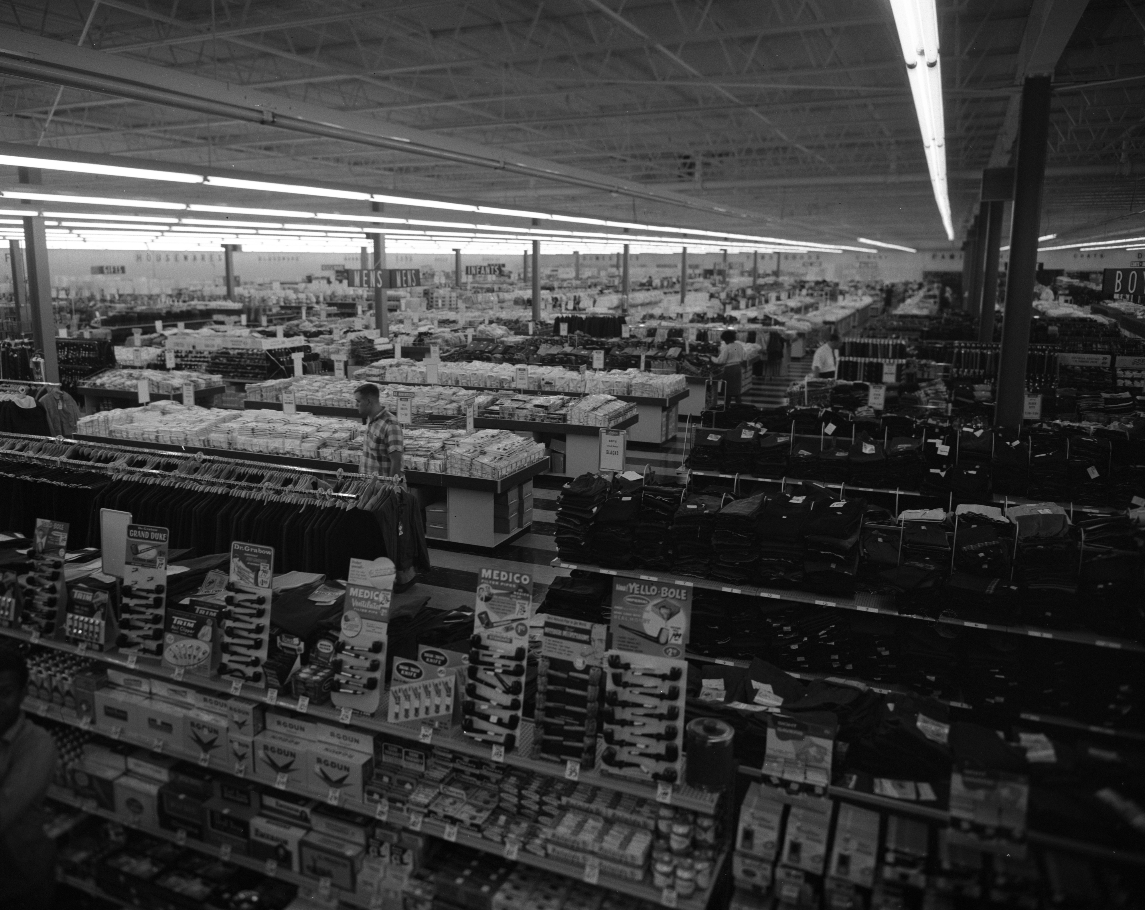 Arlan's Self-Service Discount Department Store in Westgate Shopping Center, 2465 W Stadium, August 1962 image