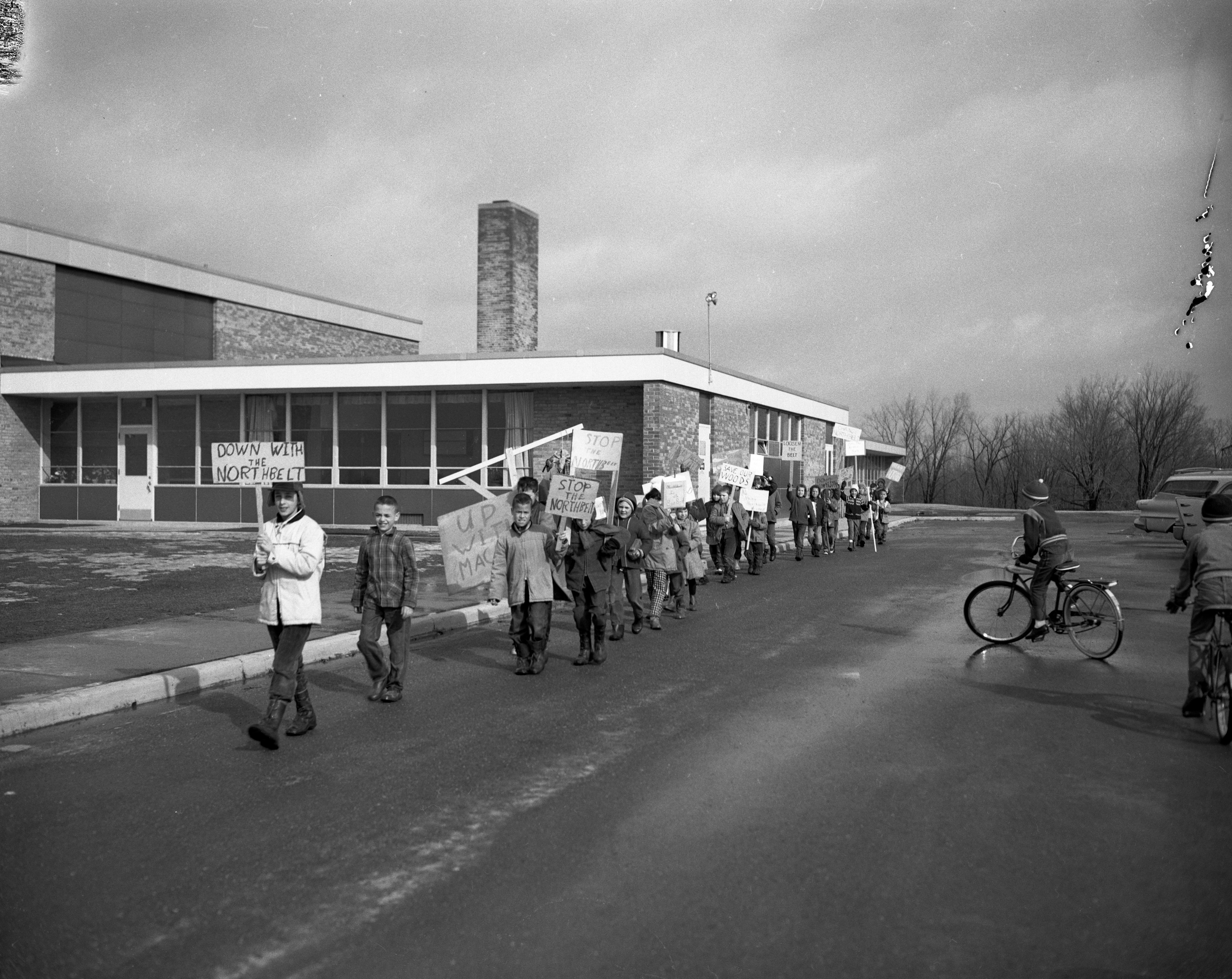 Students at Wines School protest the Northbelt bypass, March, 1962 image