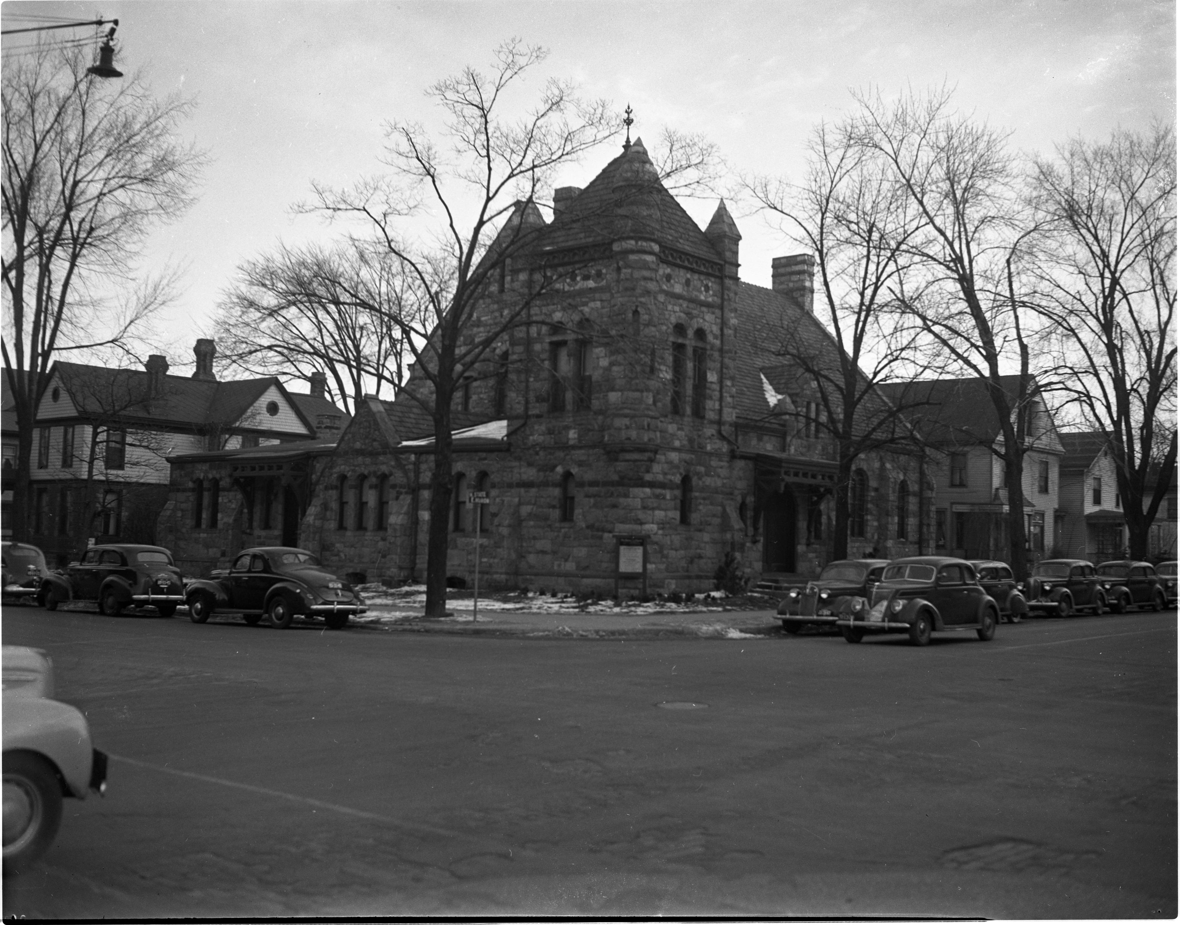 First Unitarian Church, 100 N State Street, January 1942 image