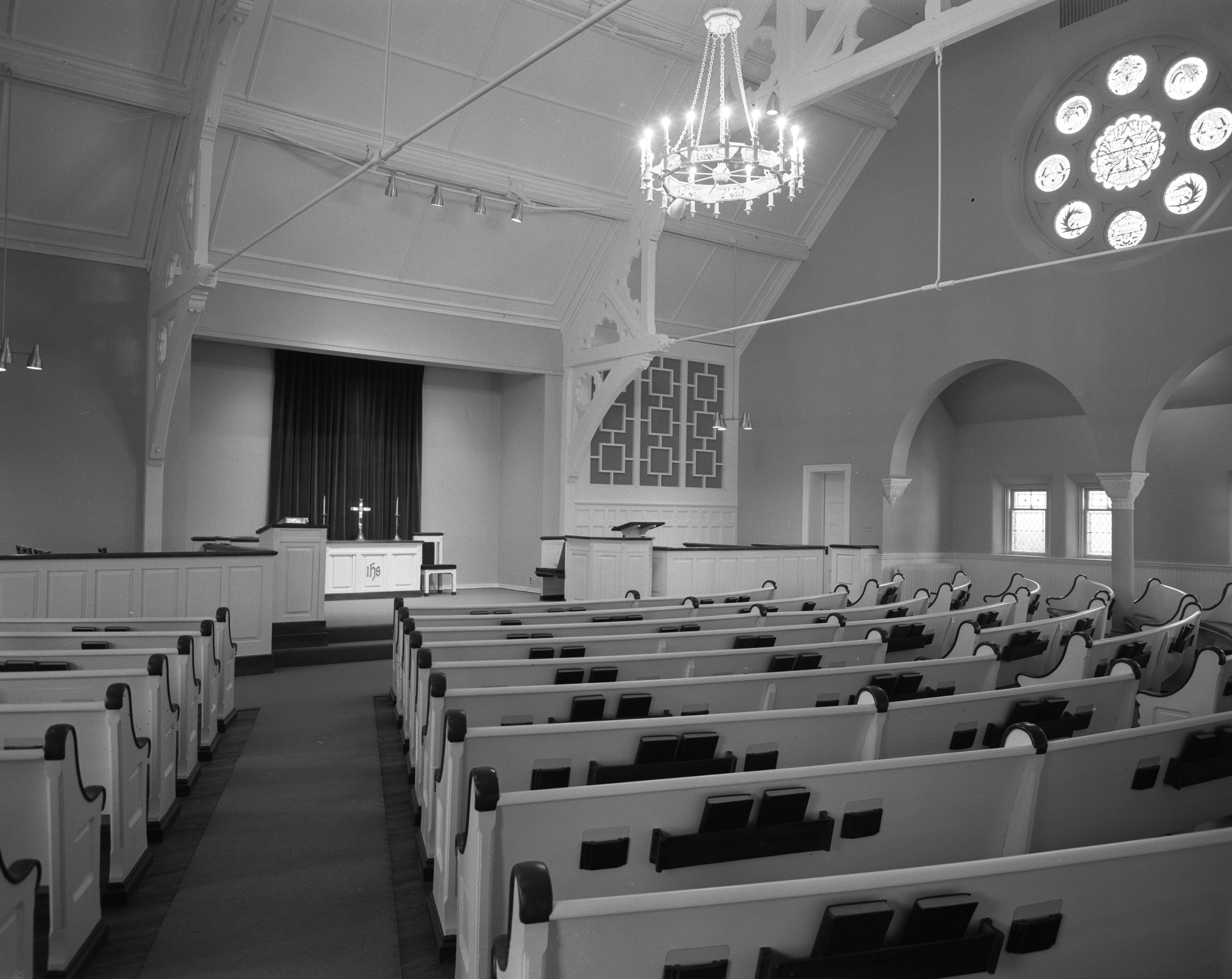 Remodeled Interior of Memorial Christian Church, April 1959 image