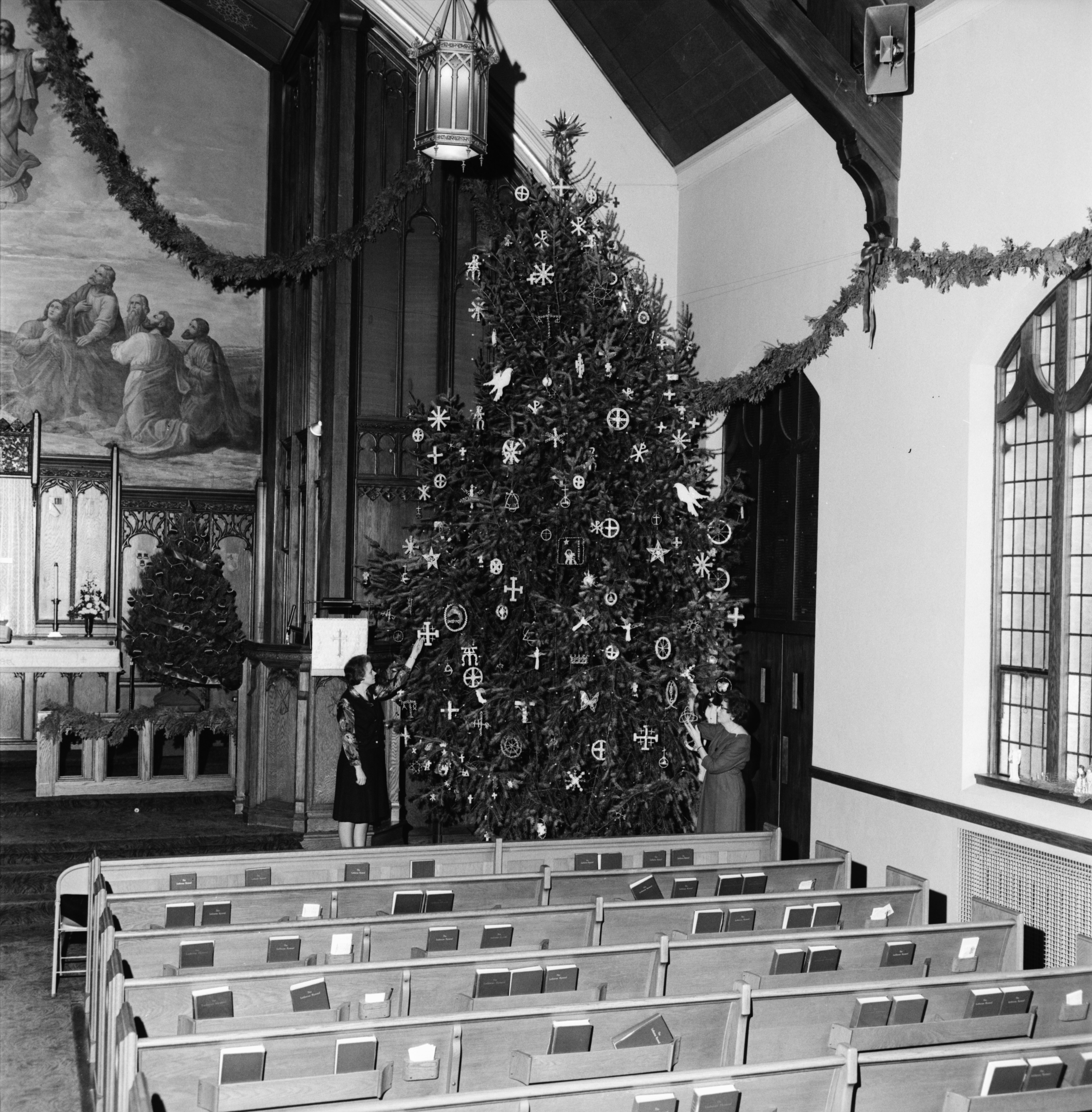 Christmas Tree At St Pauls Lutheran Church Decorated With Symbols