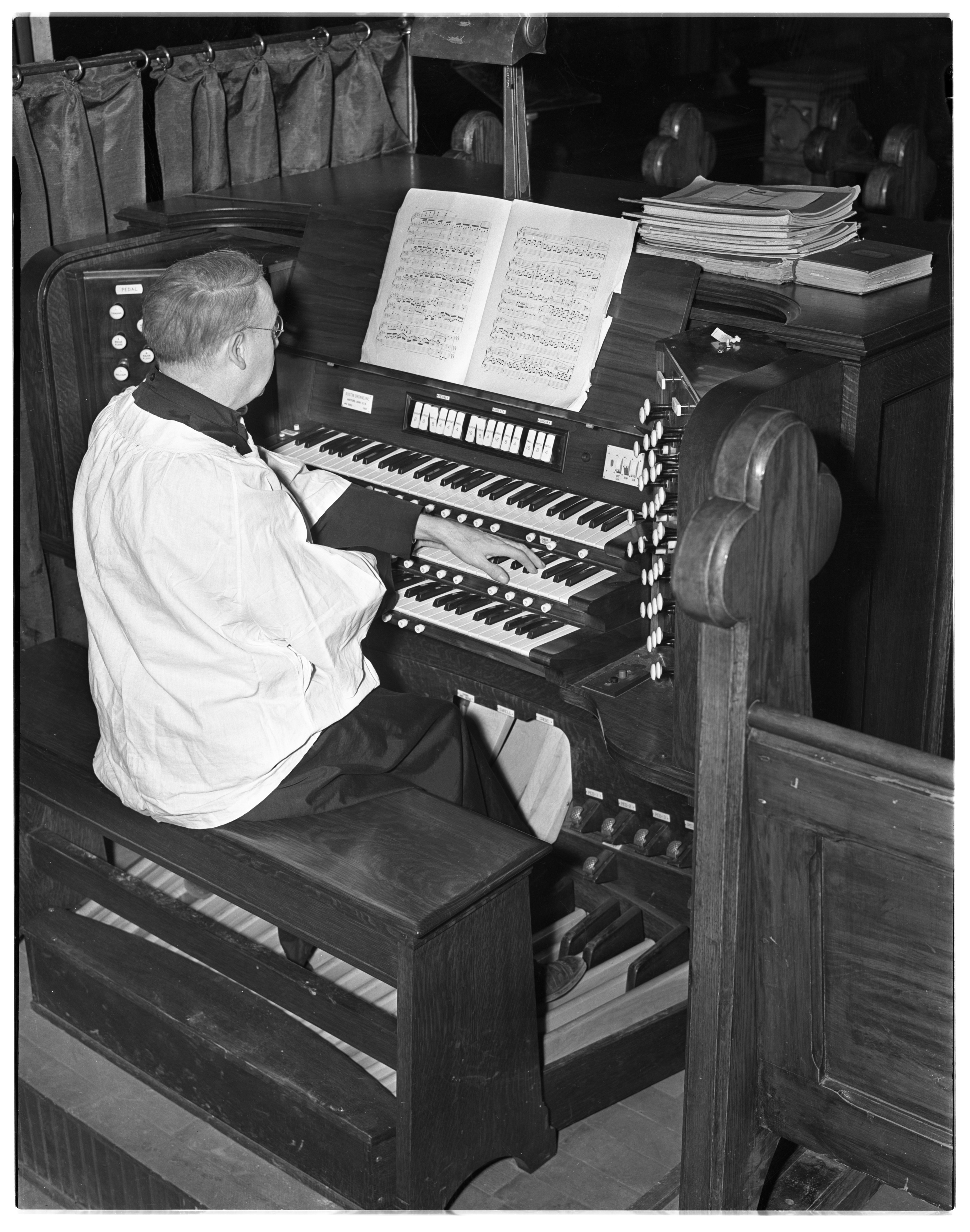 Nowell Swain Ferris Plays New Organ at St. Andrew's Episcopal Church, February 1938 image