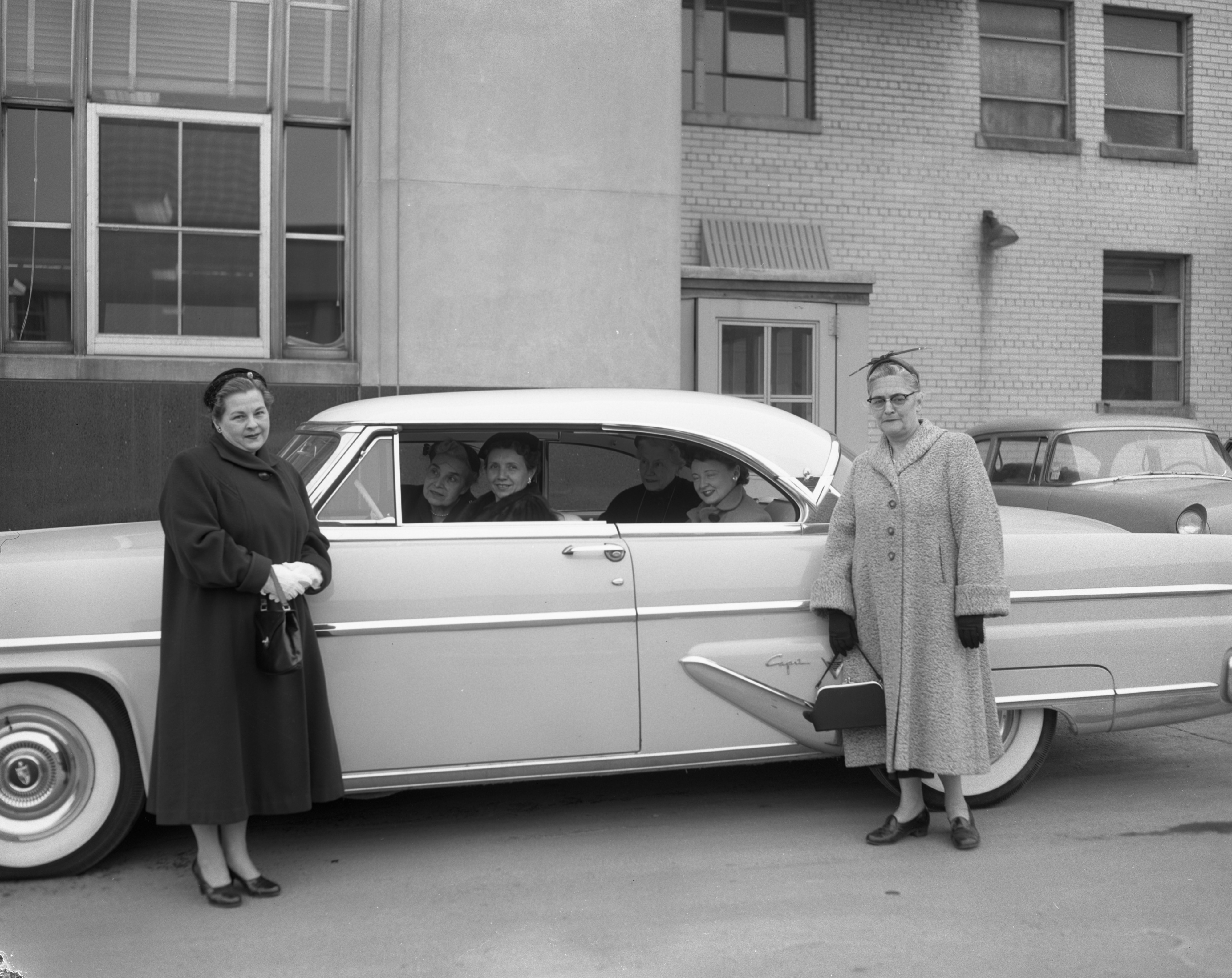 Women Leaving for Detroit Archdiocesan Council of Catholic Women Convention, March 1956 image