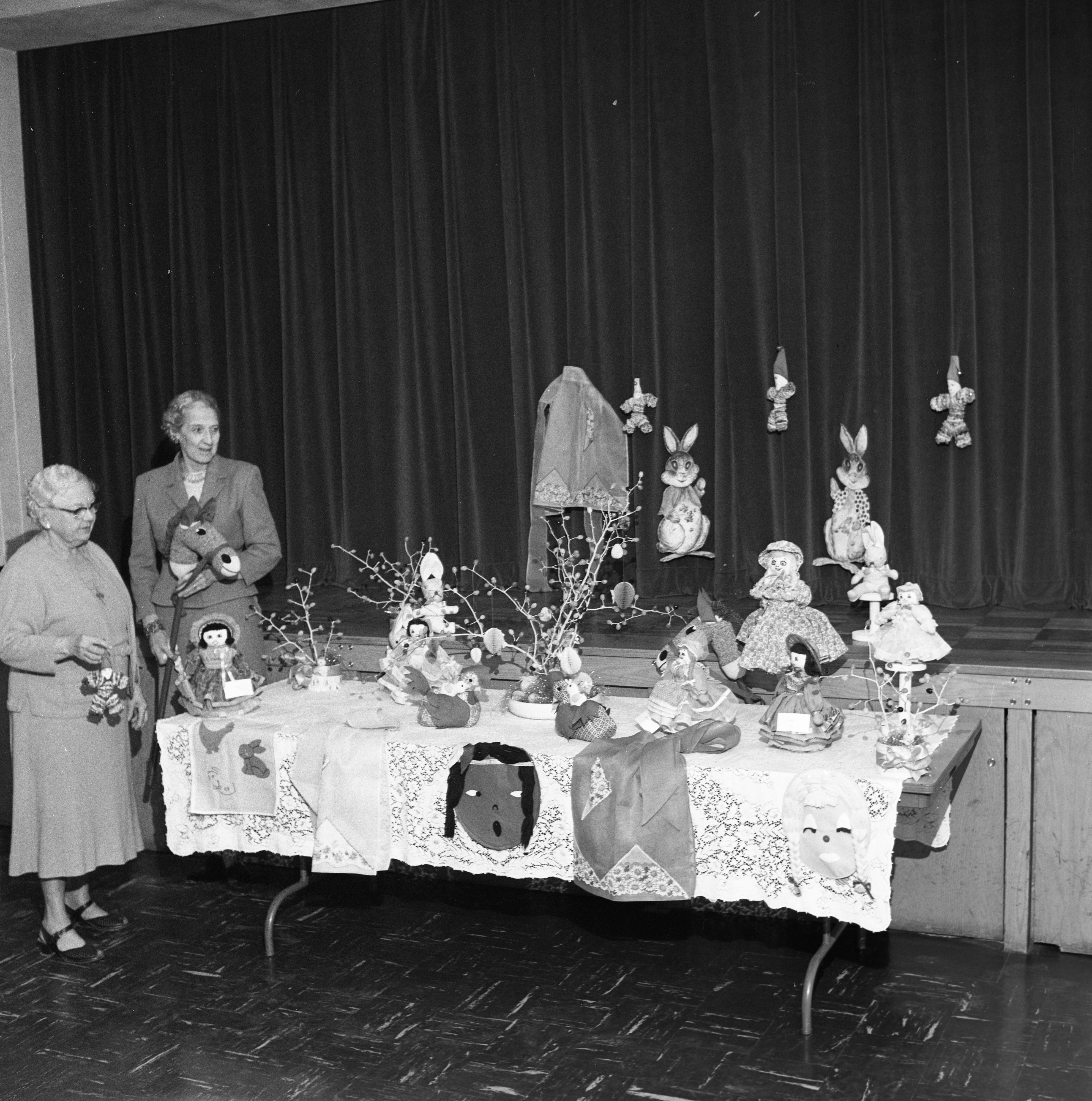 St. Andrew's Episcopal Church Easter Market Gift Items, March 1961 image