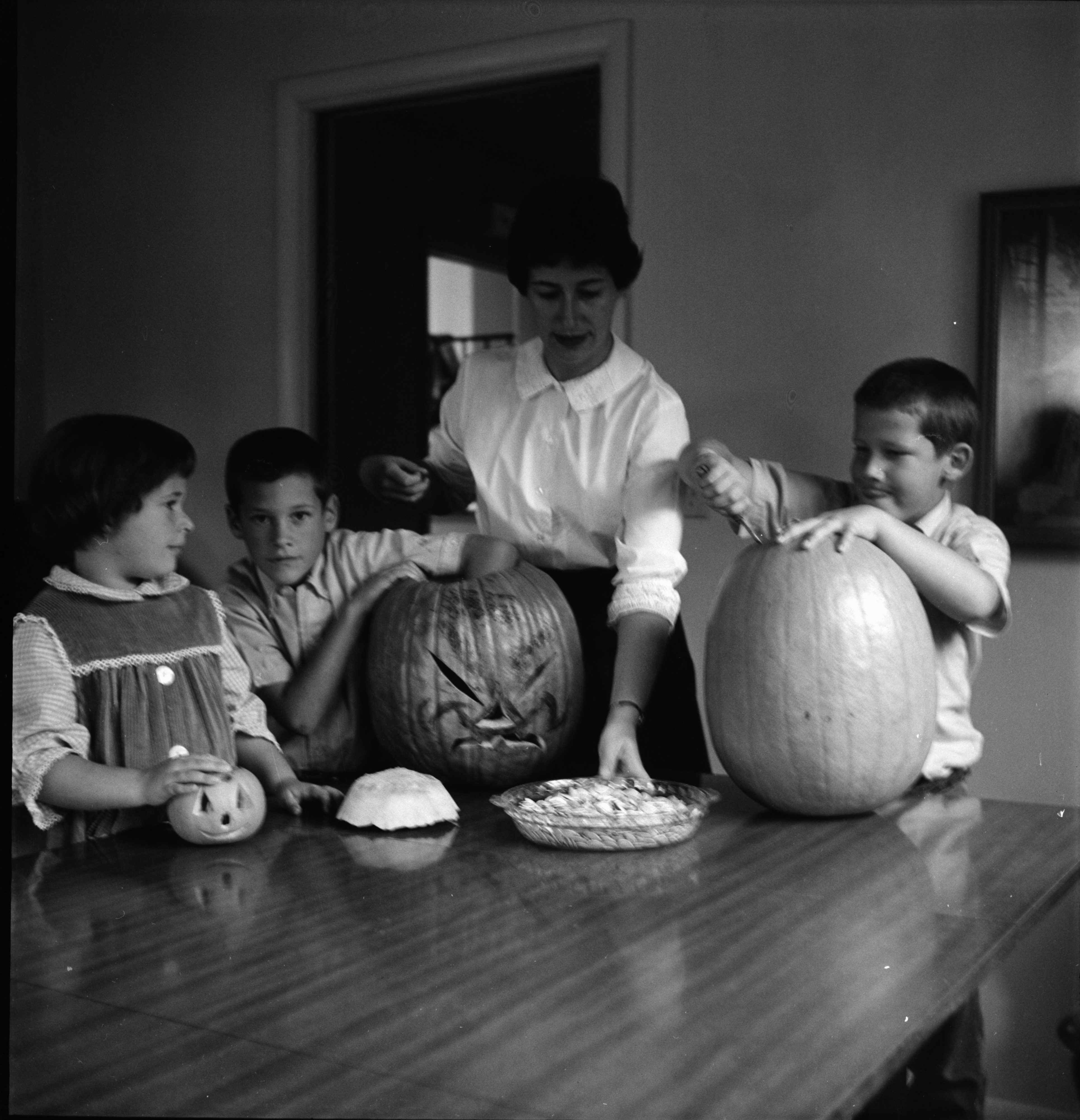 First Congregational Church Jack O'Lantern Contest, October 1962 image