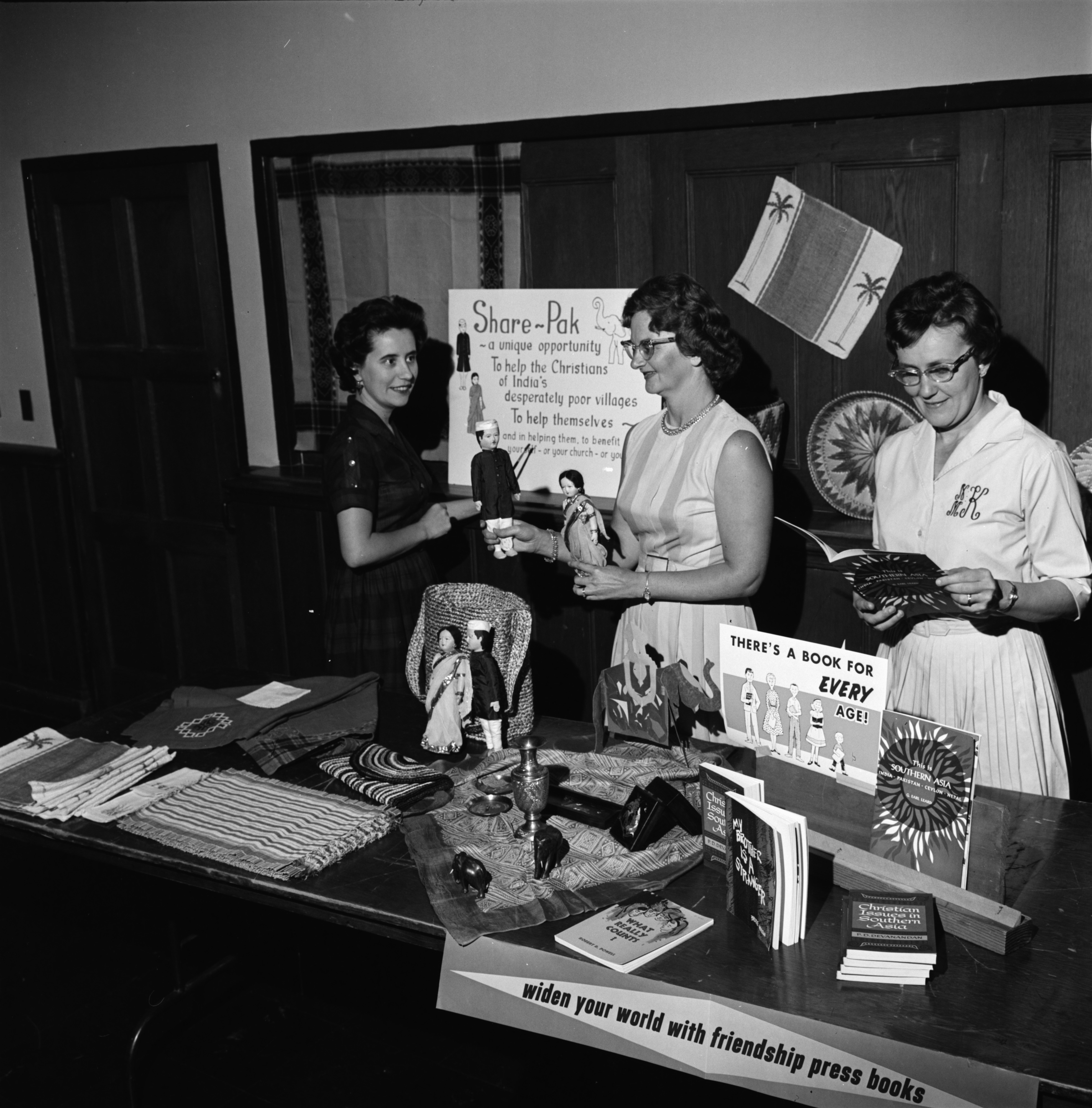 Women Prepare Display for United Church Women's Mission Institute, September 1963 image