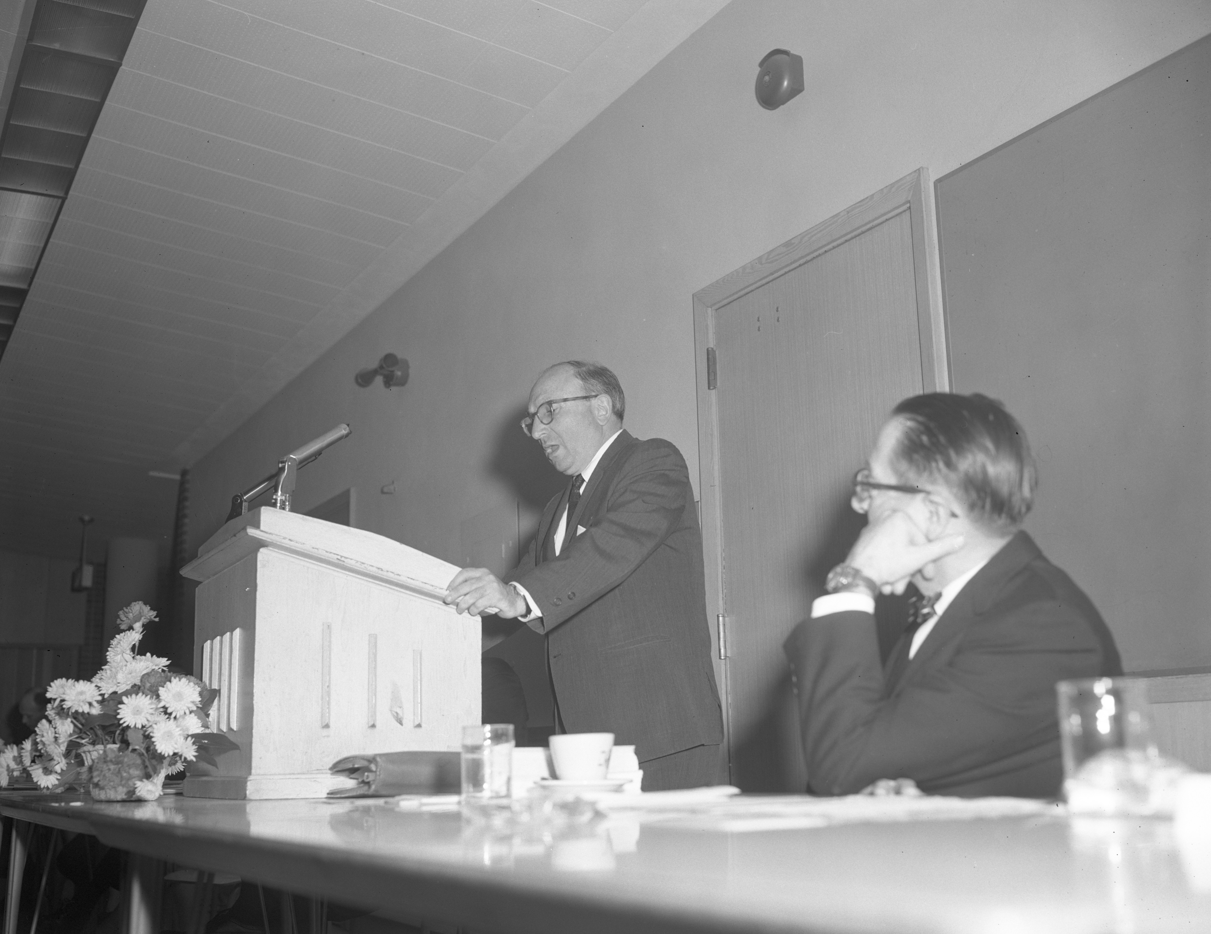 Wilbur J. Cohen Speaks at Brotherhood Dinner of National Conference of Christians and Jews, March 1965 image