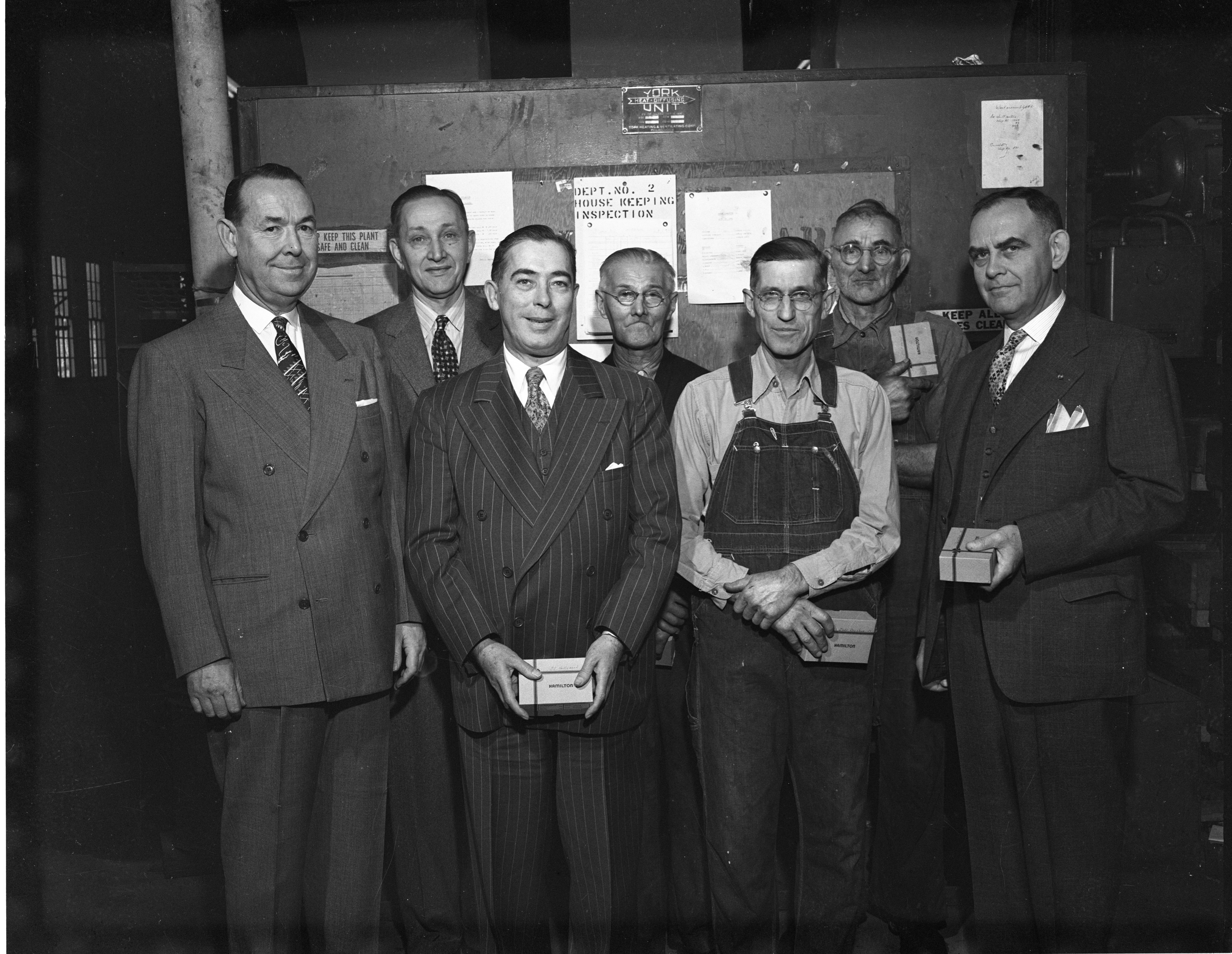 Economy Baler Employees, December 1952 image