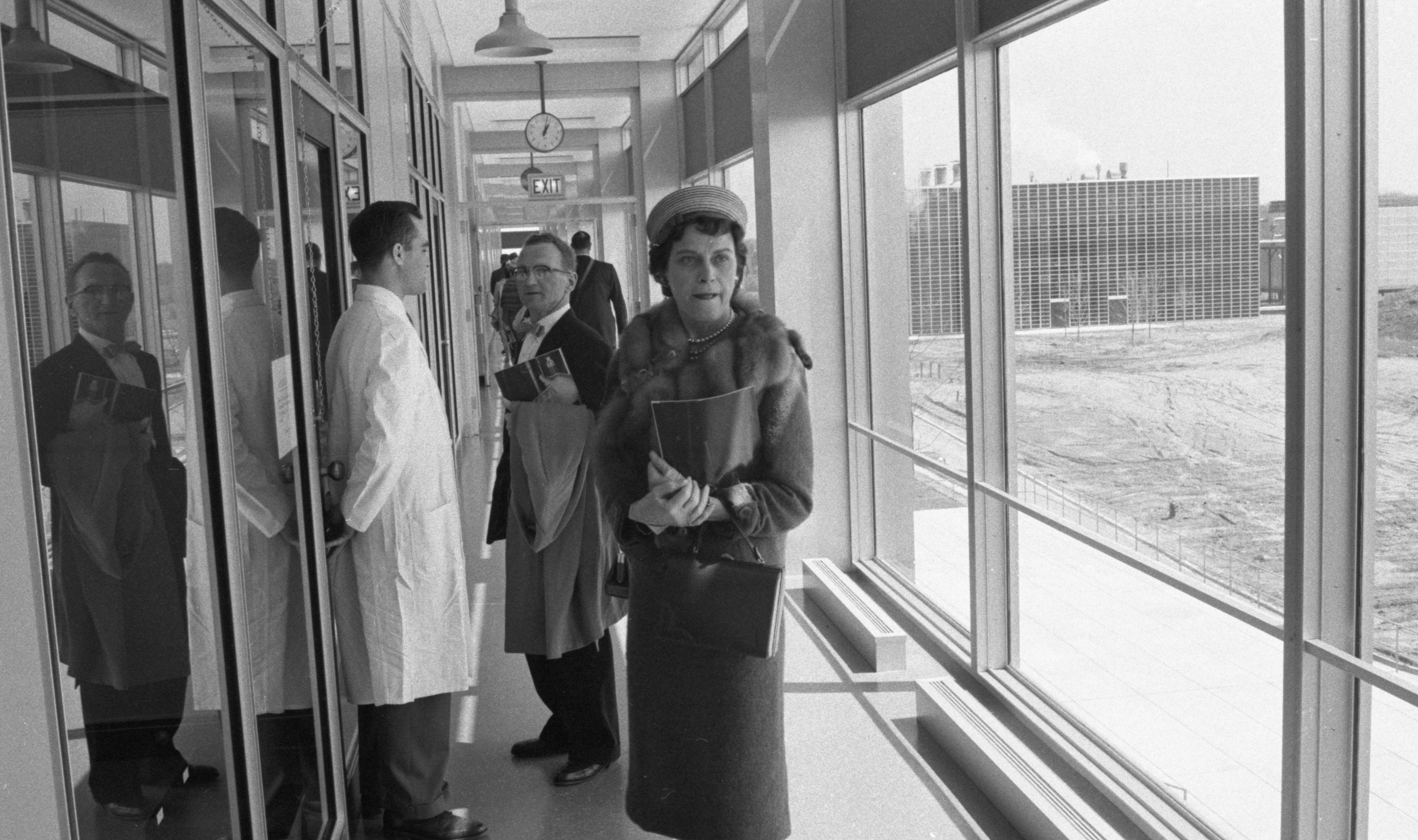 Guests Tour The New Ann Arbor Parke Davis Research Laboratories, April 1960 image