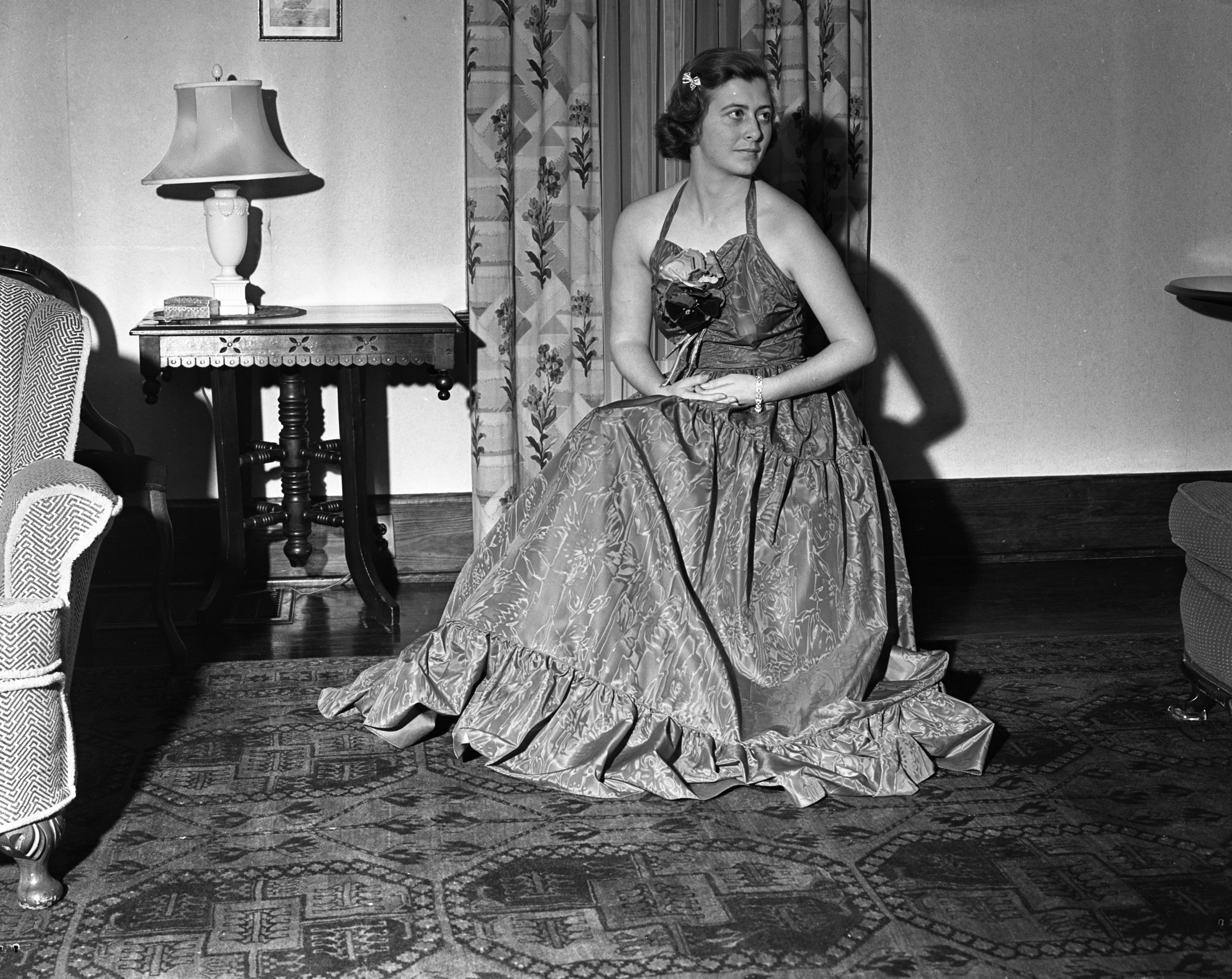 Betty Farris in formal gown, 1939 image