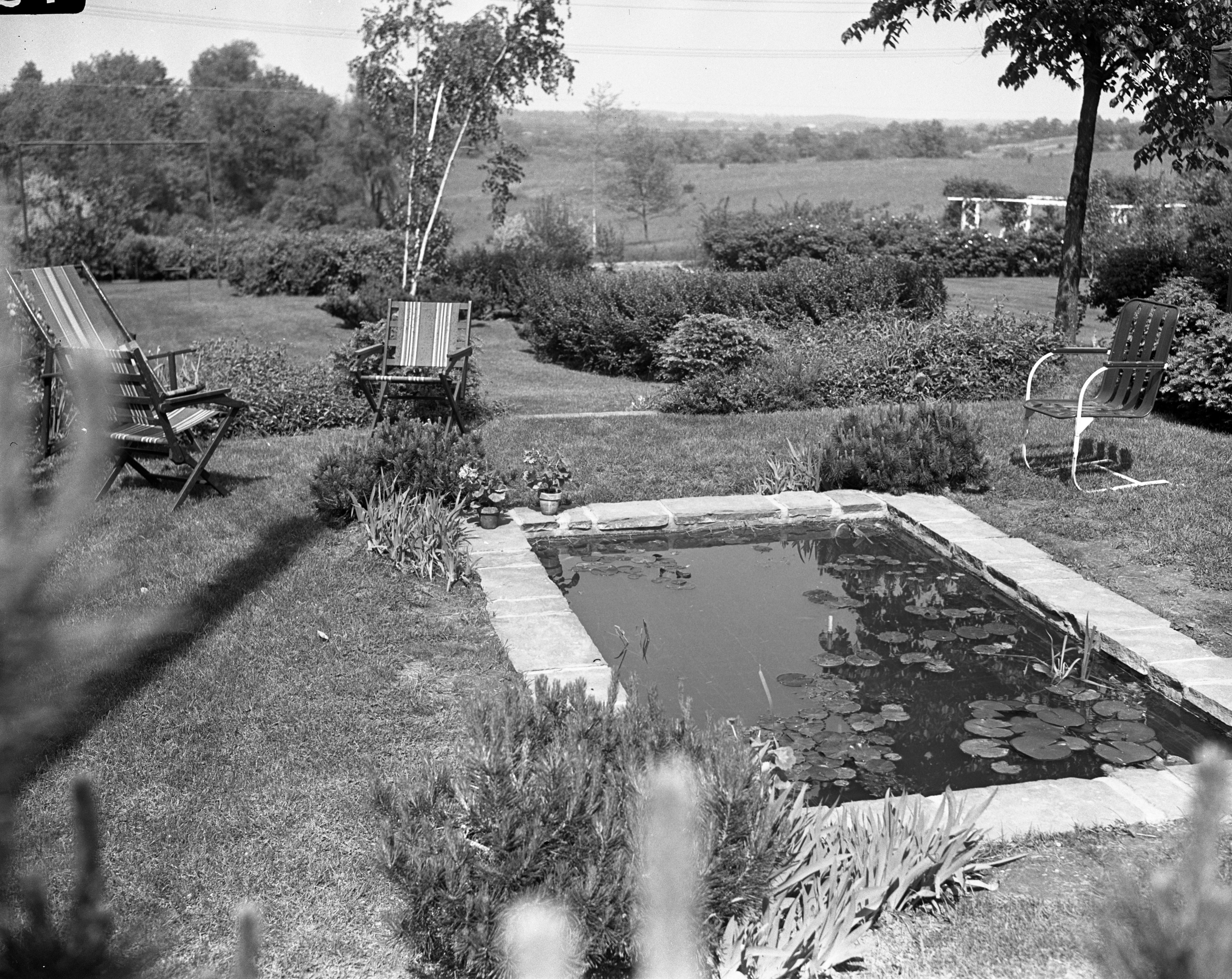 Dr. Bruce Fralick's Garden, May 1942 image