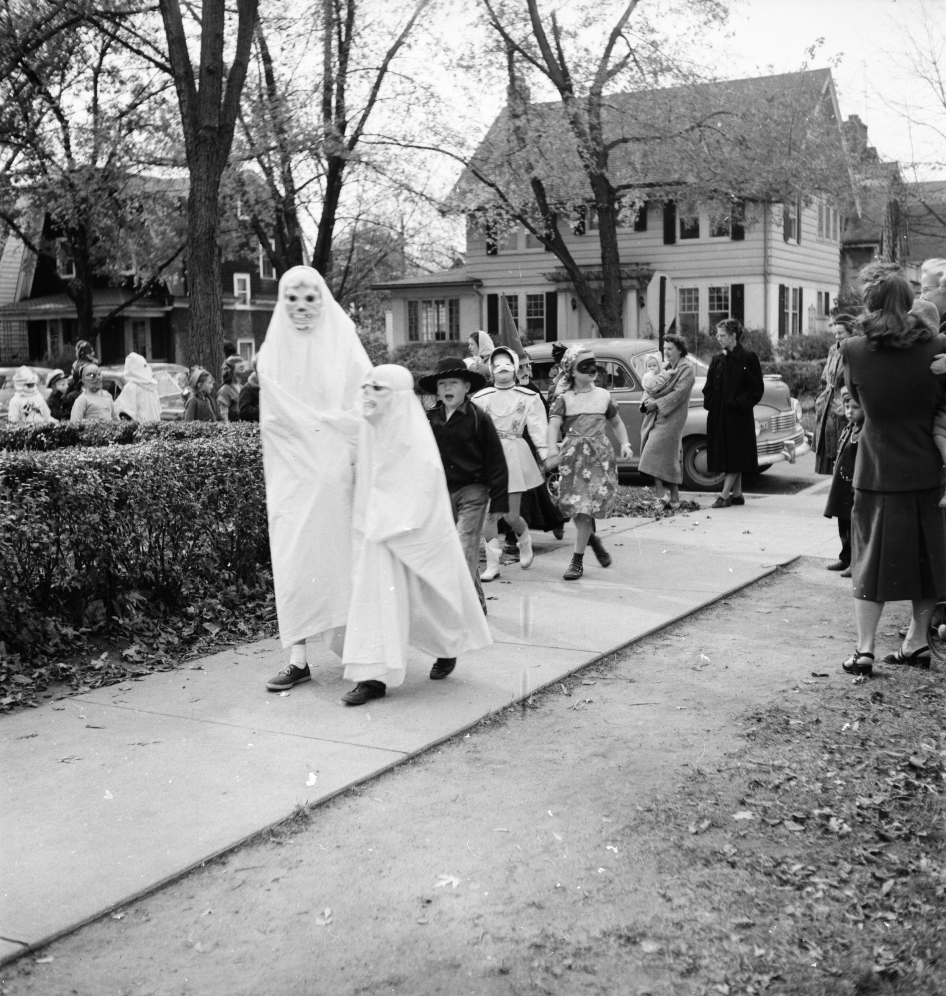 Ann Arbor Halloween 2020 Scary Scary Ghosts In the Burns Park School Halloween Parade, 1951   Ann