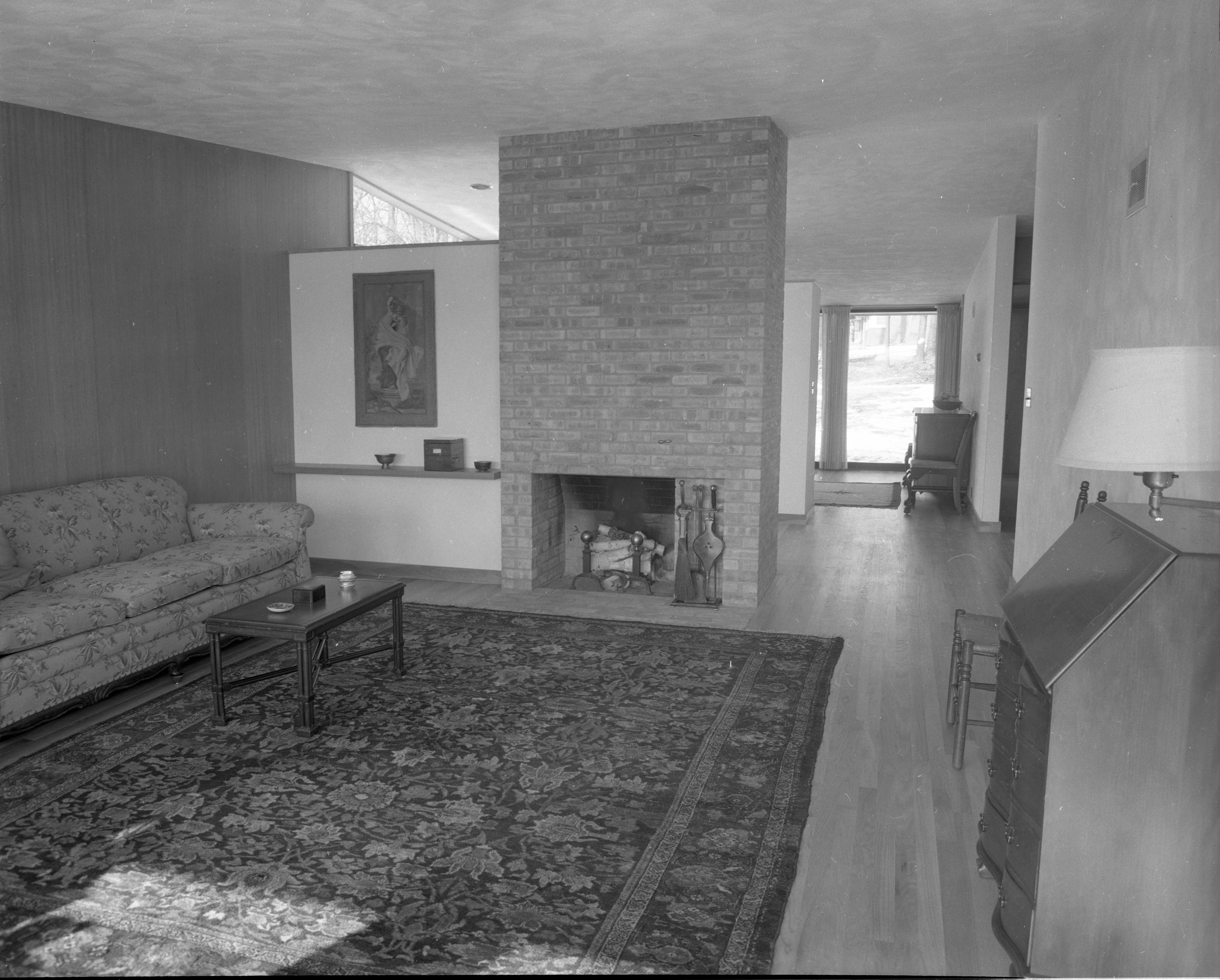 Metcalf Award-Winning Design Emphasizes Openness In Dennison Home, February 1955 image