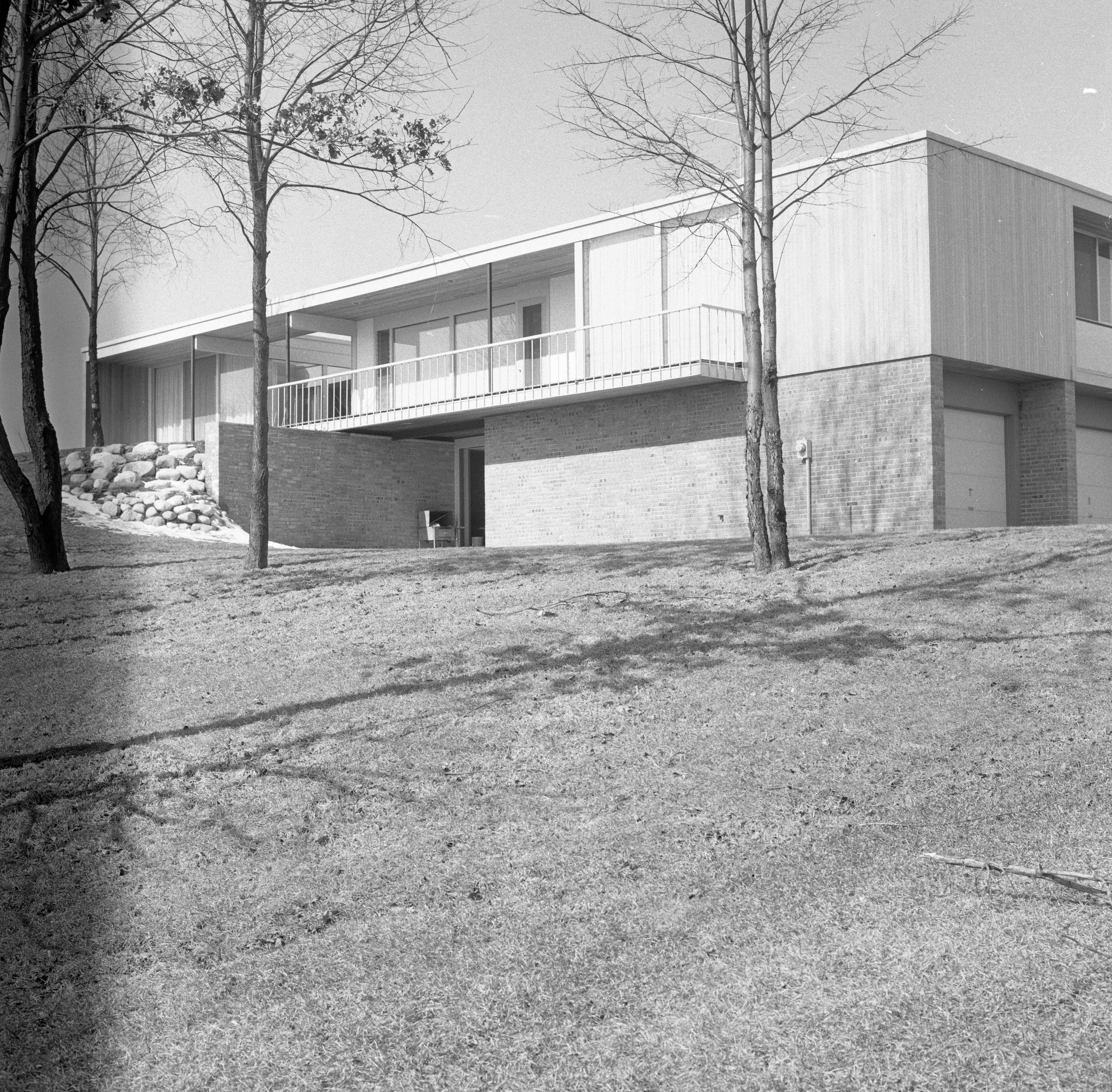 Botch Home on Chestnut Rd a Mid-Century Modern Bi-Level, March 1959 image