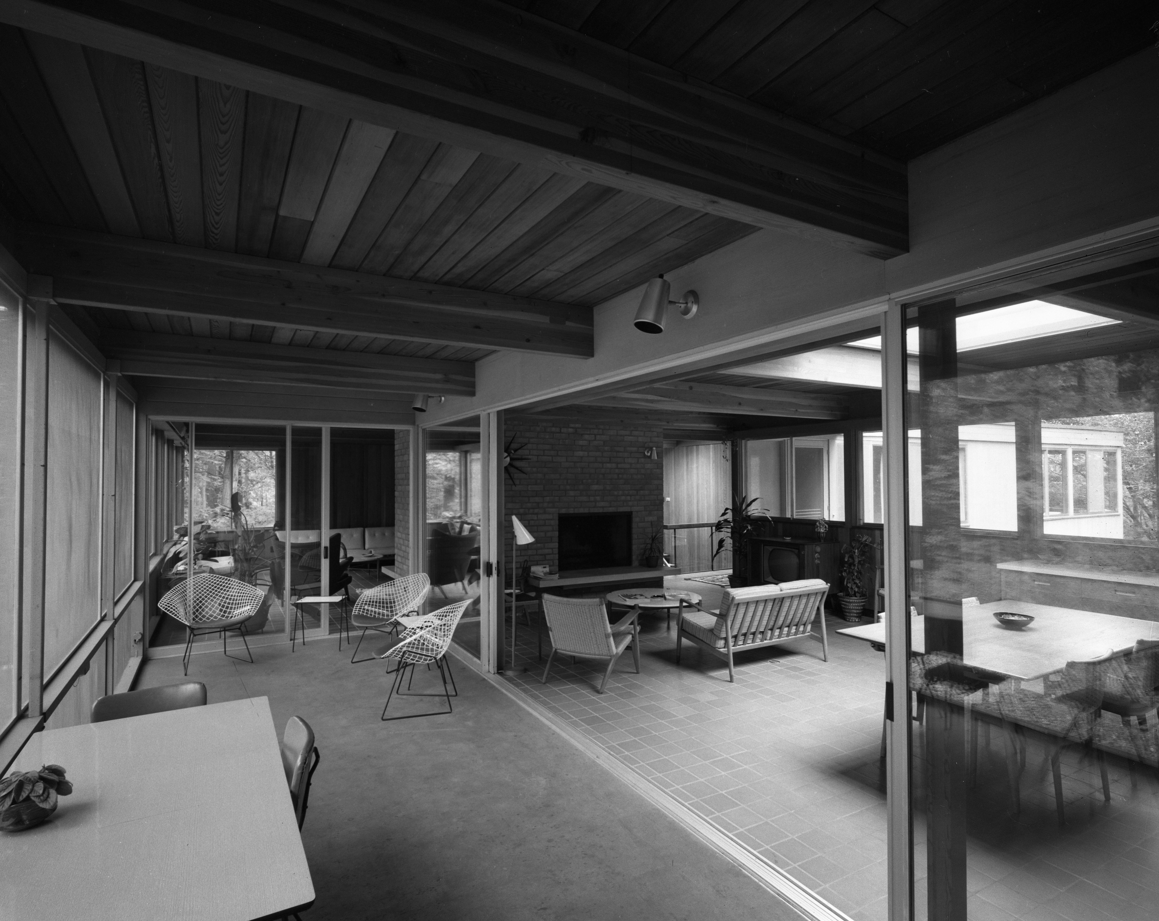 Sliding Doors Connect Rooms In Conn Contemporary Home At 200 Orchard Hill Drive, August 1960 image