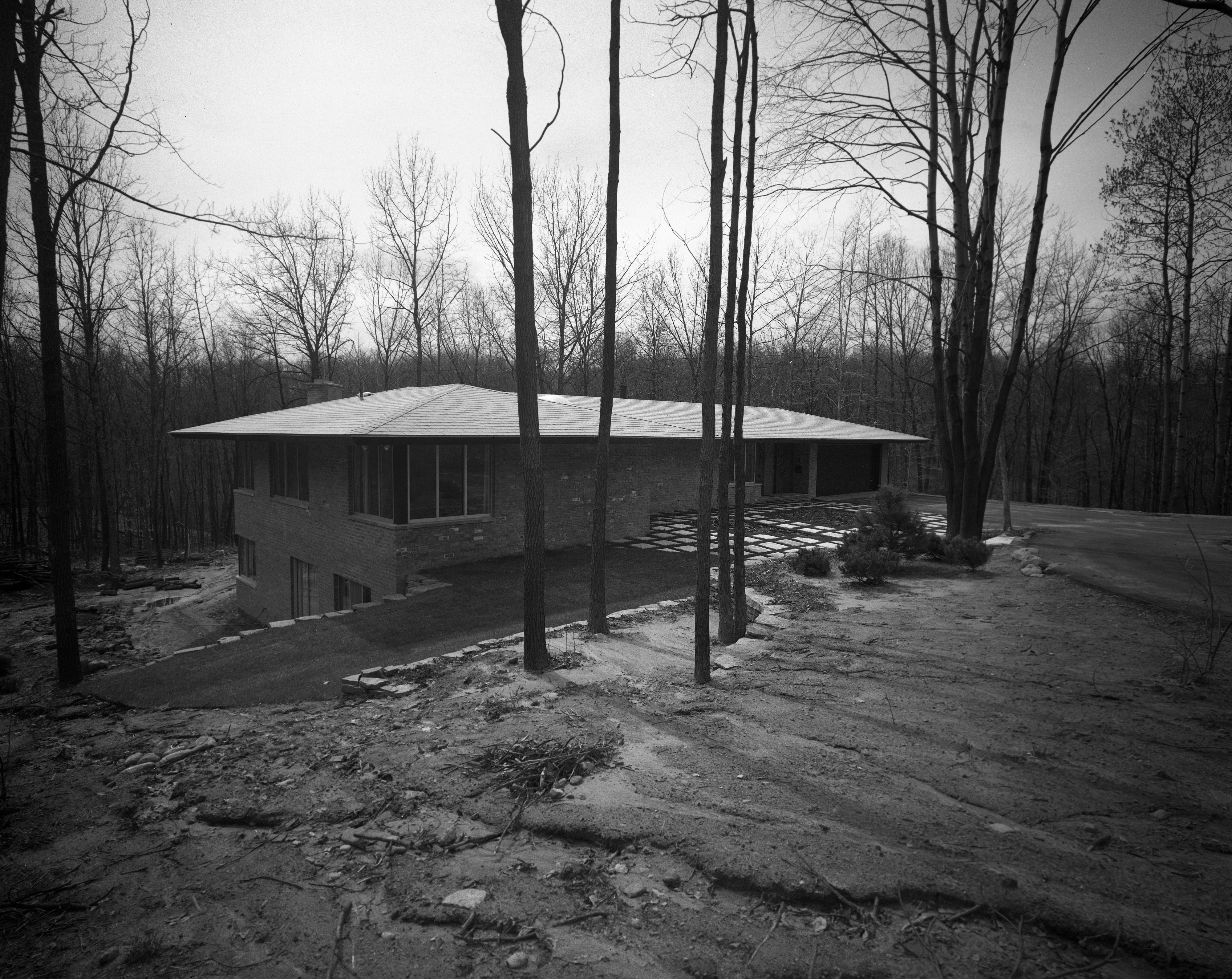 Holmes Mid-Century Modern Home On N Barton Dr., April 1961 image