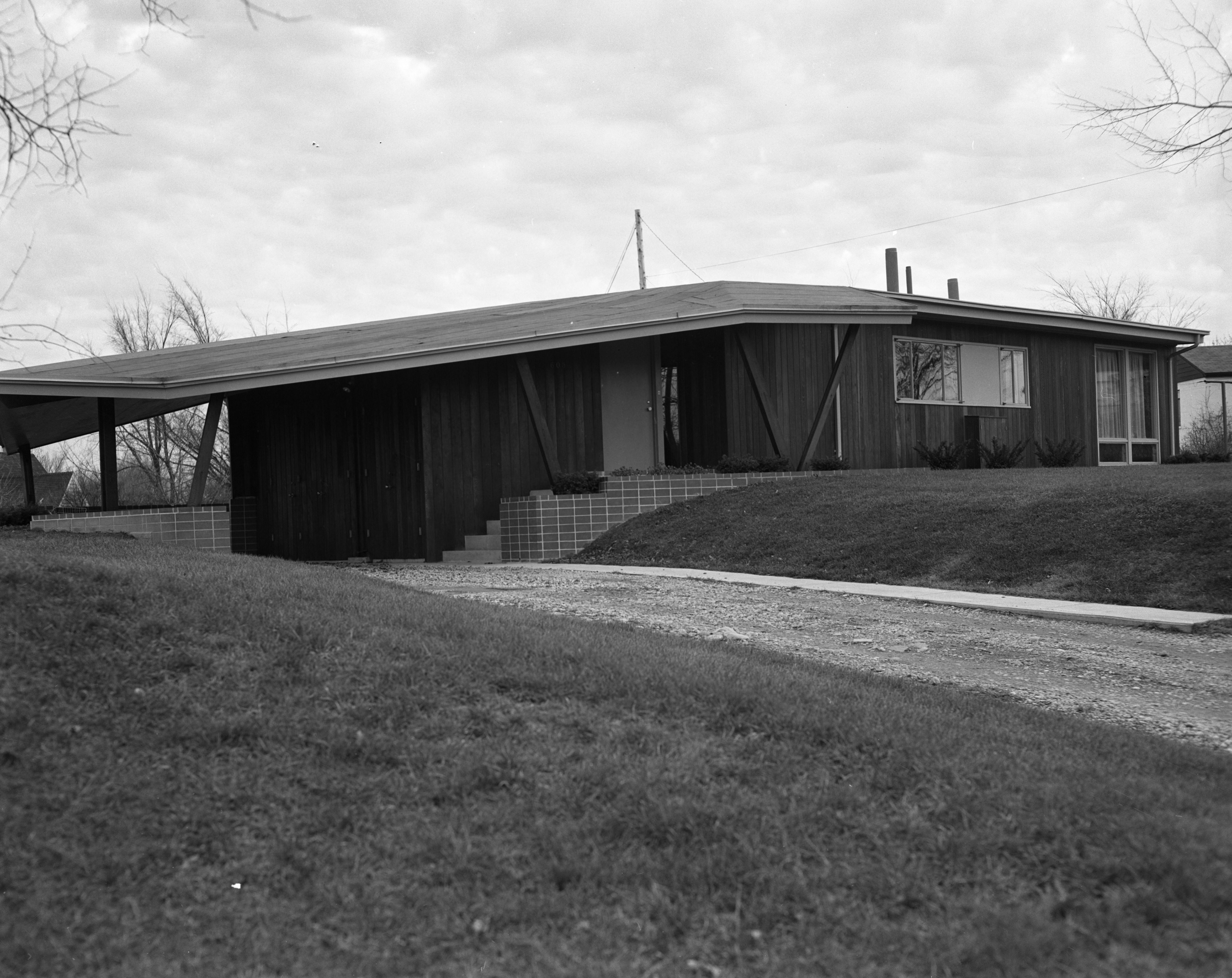 Architect Richard M. Robinson Home On Huron View Blvd., 1953 image
