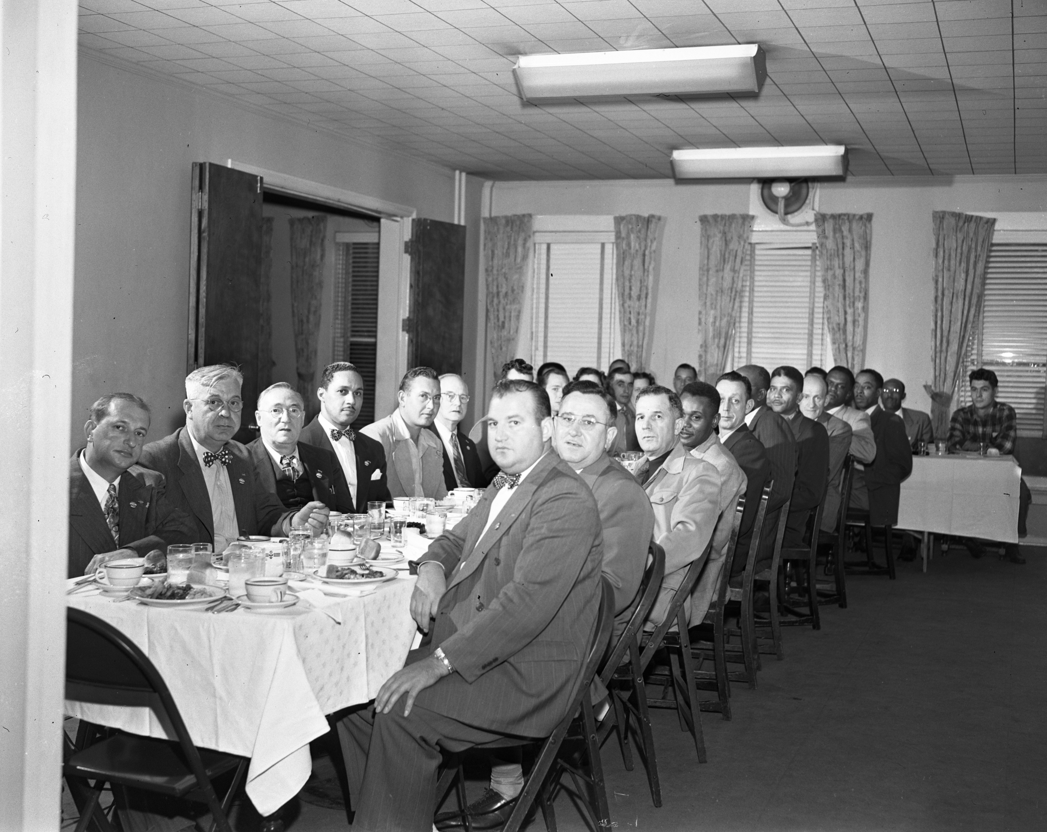 Union leaders hold a reorganization meeting at the Allenel Hotel, October 1950 image