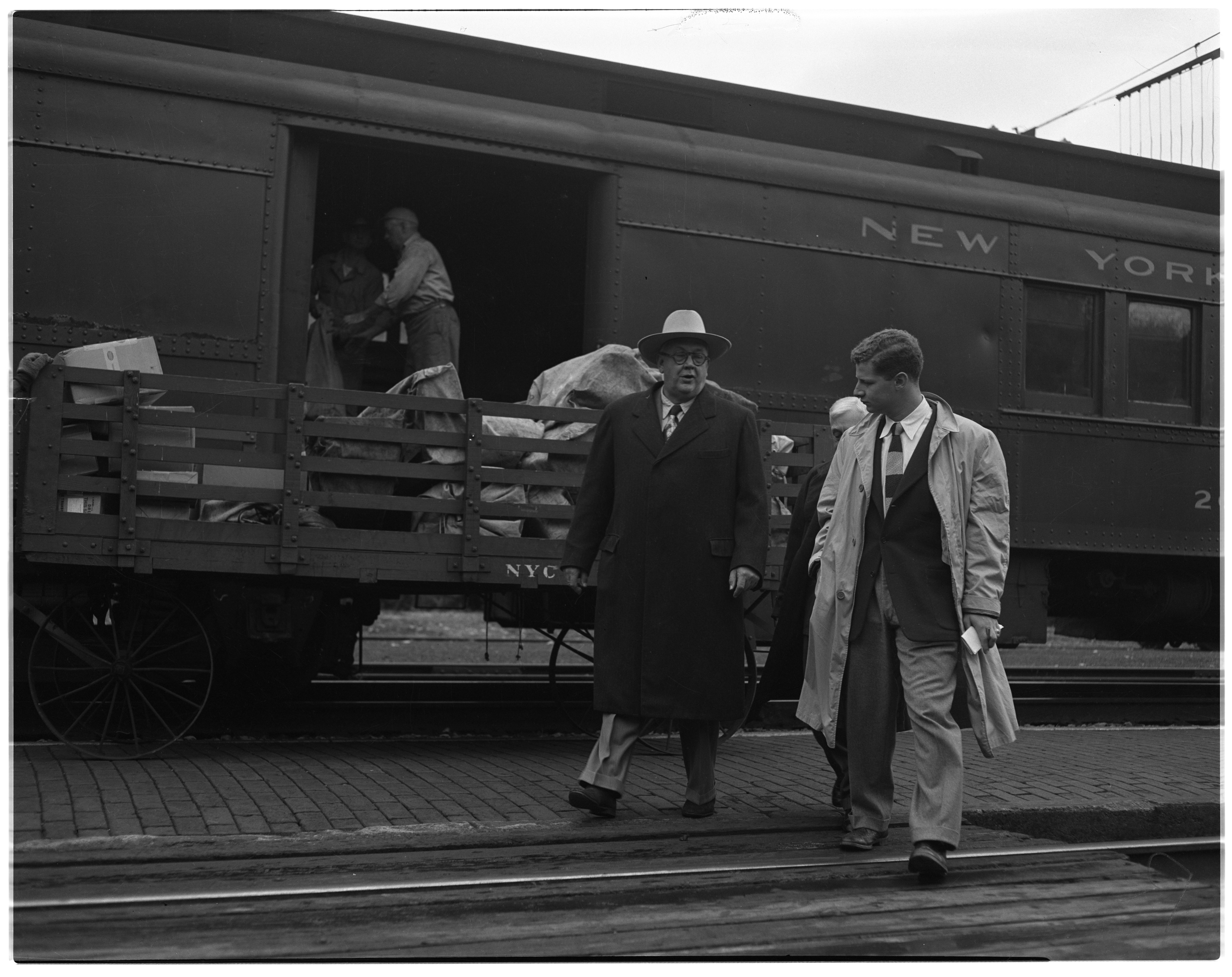 Lauritz Melchior, Tenor, Arrives in Ann Arbor, October, 1950 image