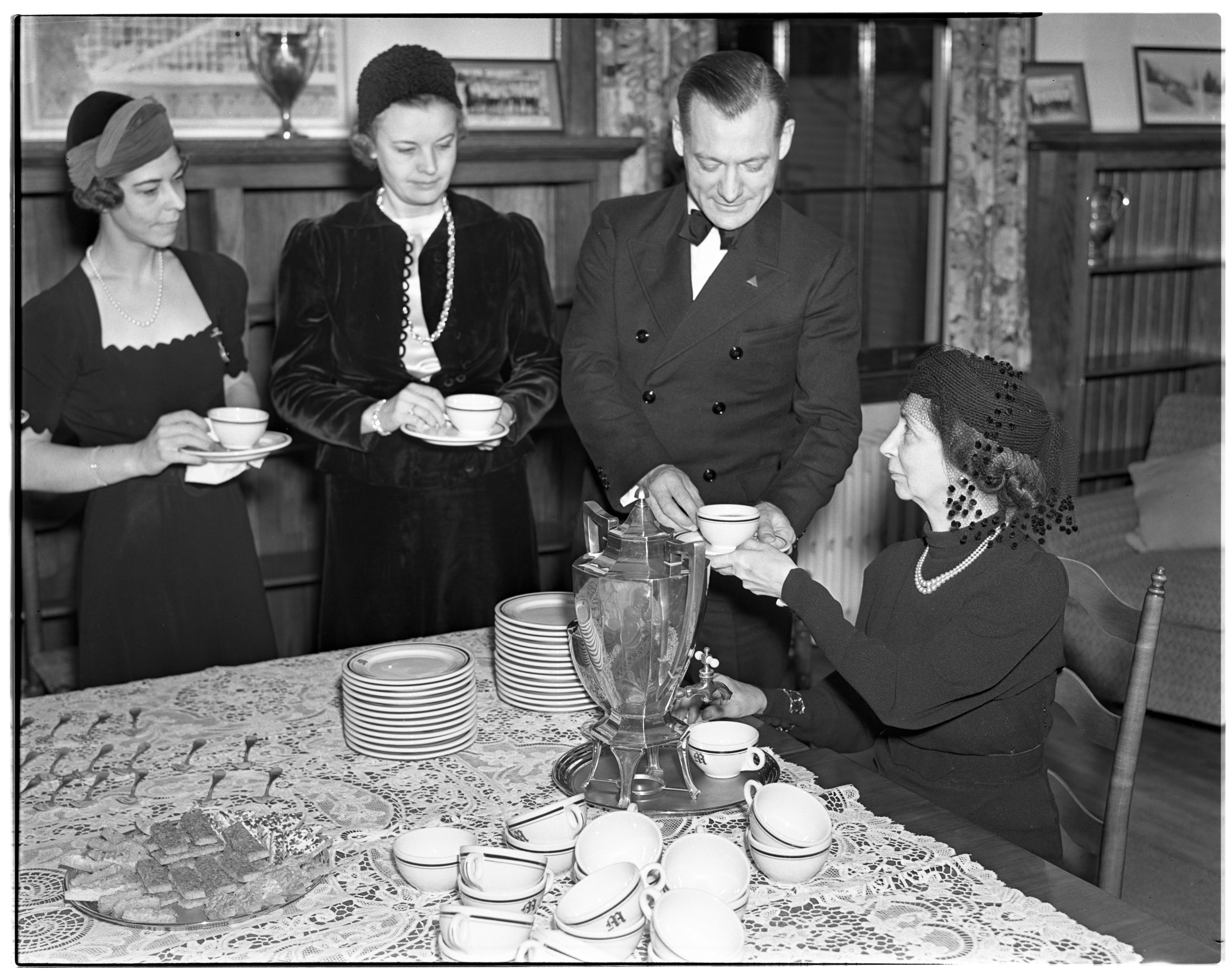 Tea for Munroe Smith, Mrs. Hunter, Mrs. Furstenberg and Mrs. Ruthven in a Youth Hostel image