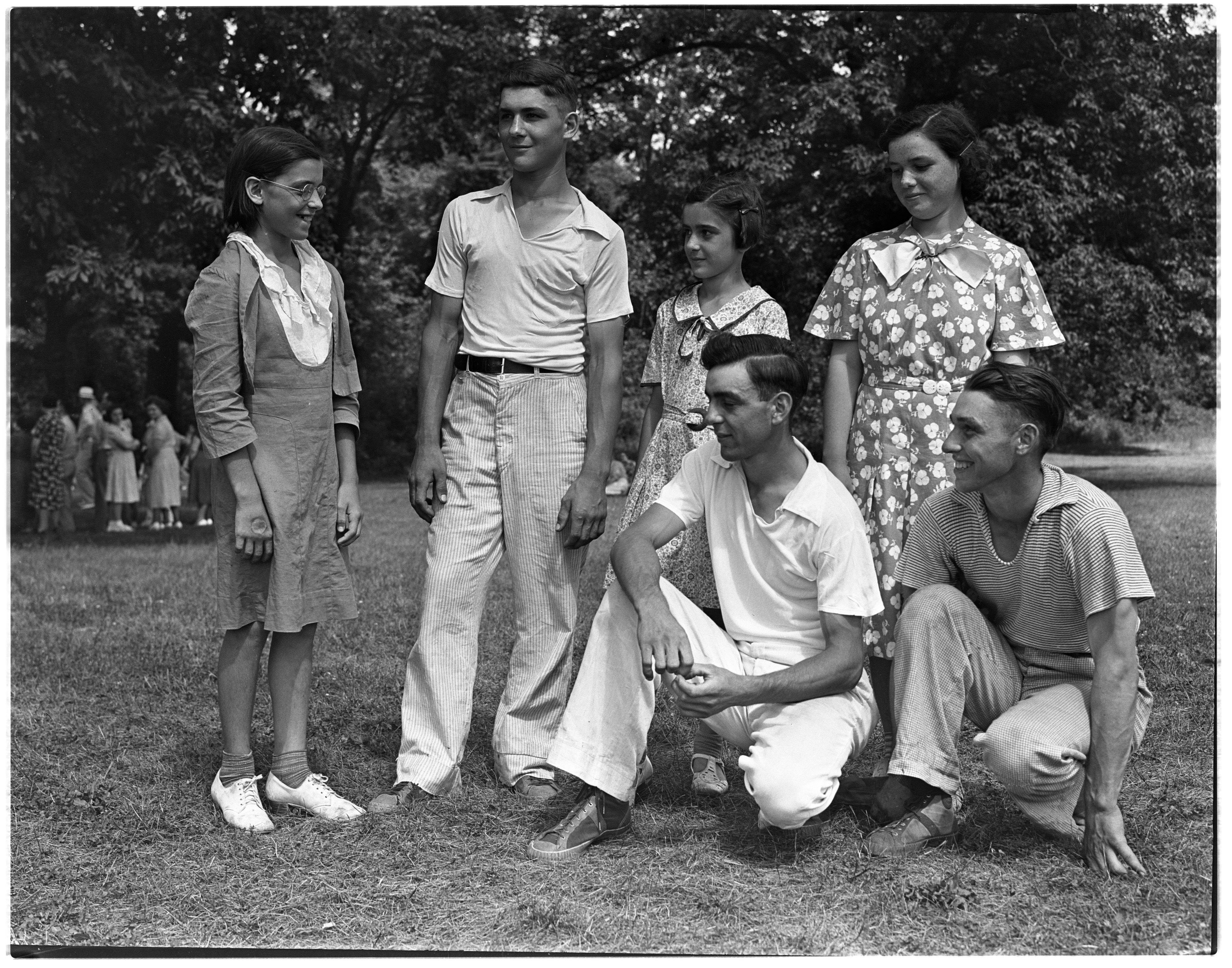 Six 4-H Members In Ruhlig Family, August 1938 image