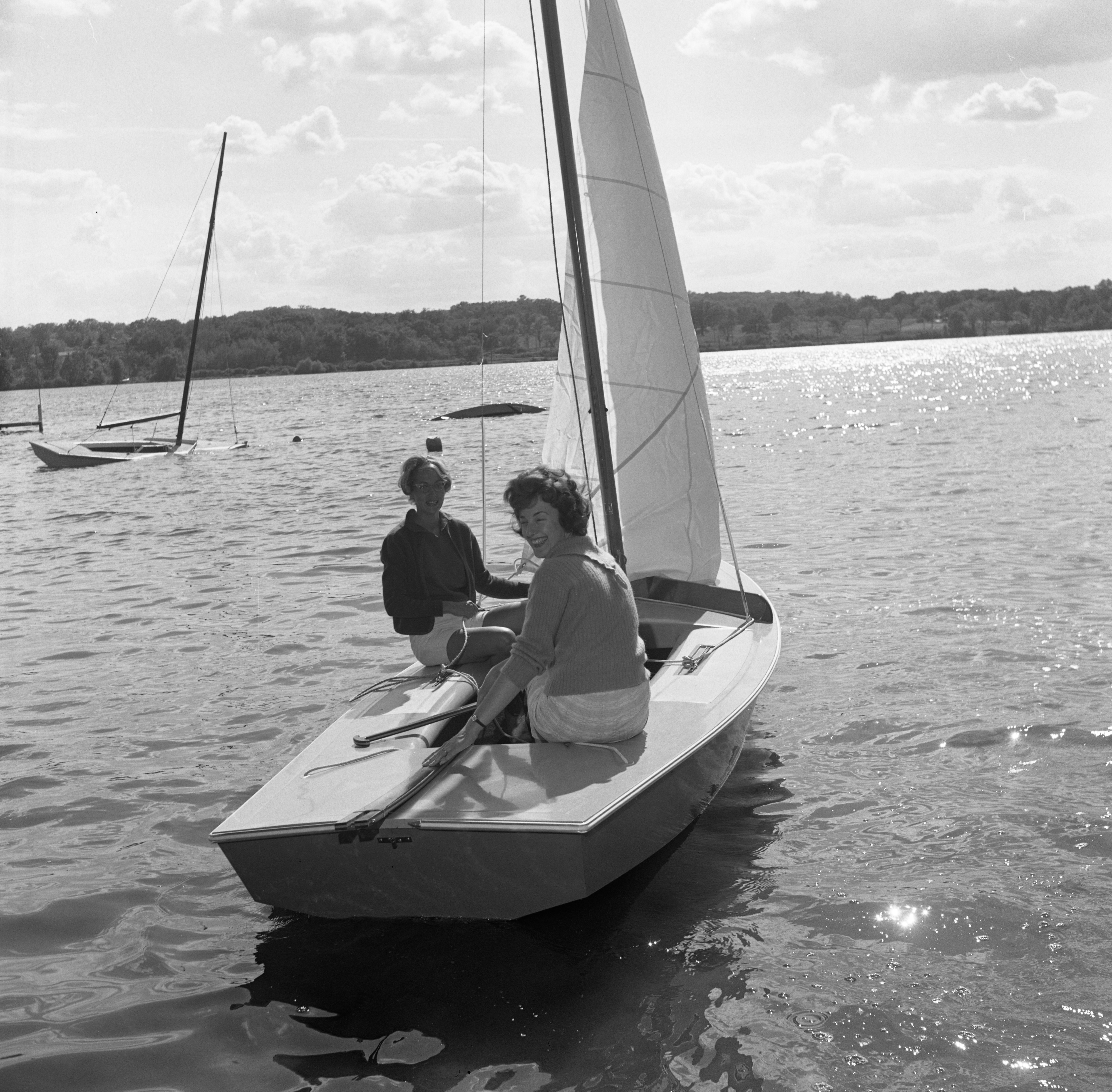 Barton Boat Club Sailors Prepare For Race On Barton Pond, July 1962 image