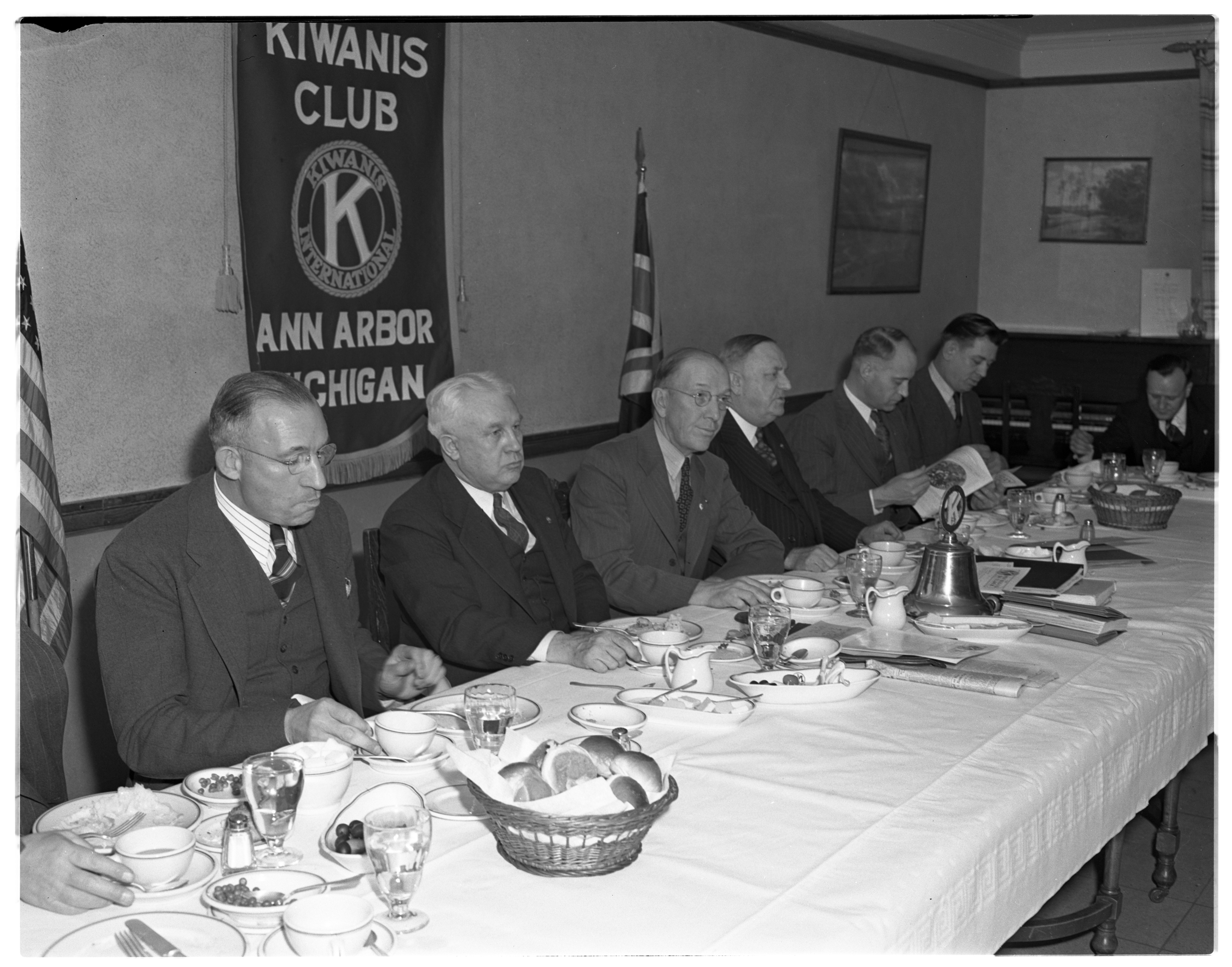 Training Meeting for Kiwanis' Officers, November 1940 image
