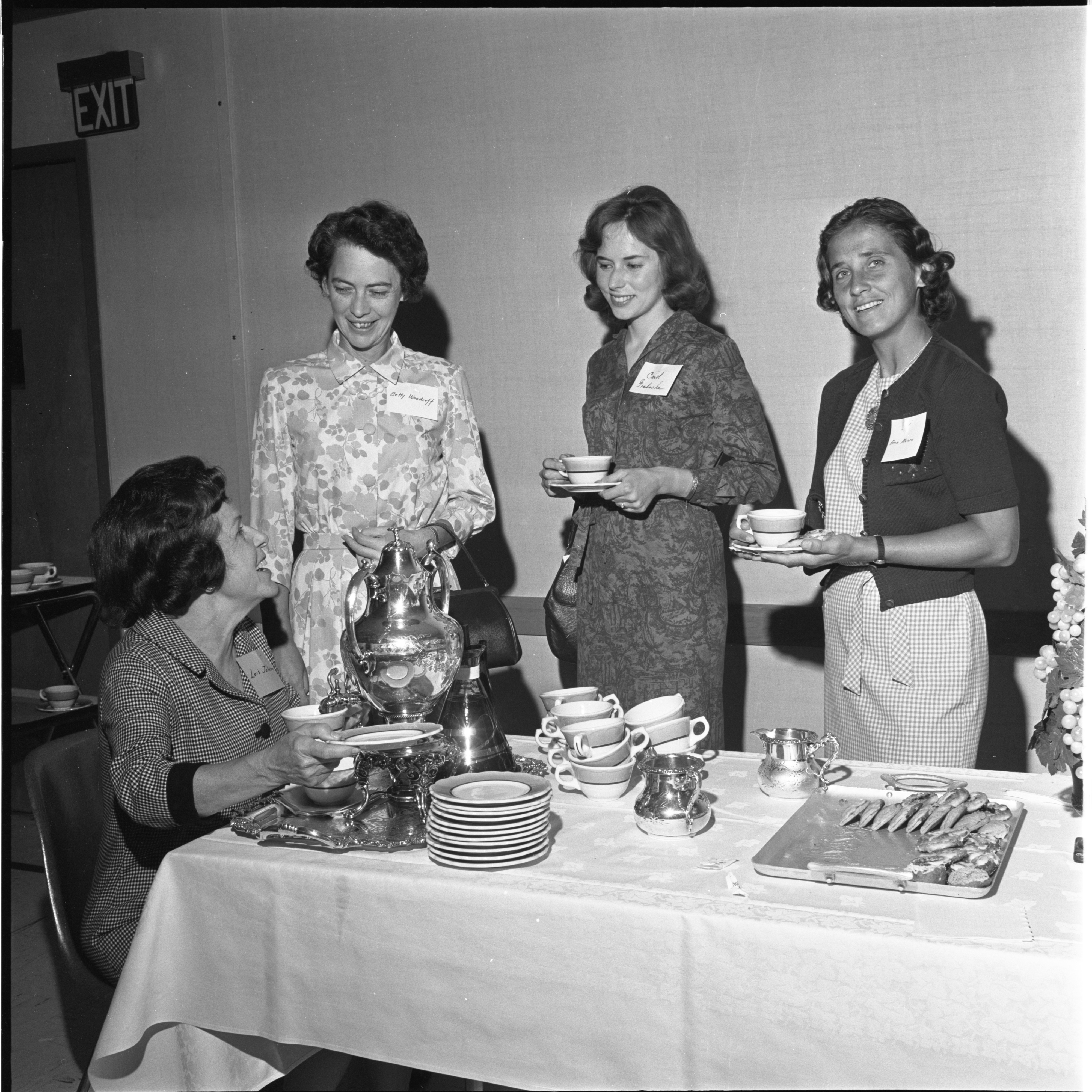League Of Women Voters Enjoy Coffee At Annual Membership Meeting, September 1964 image