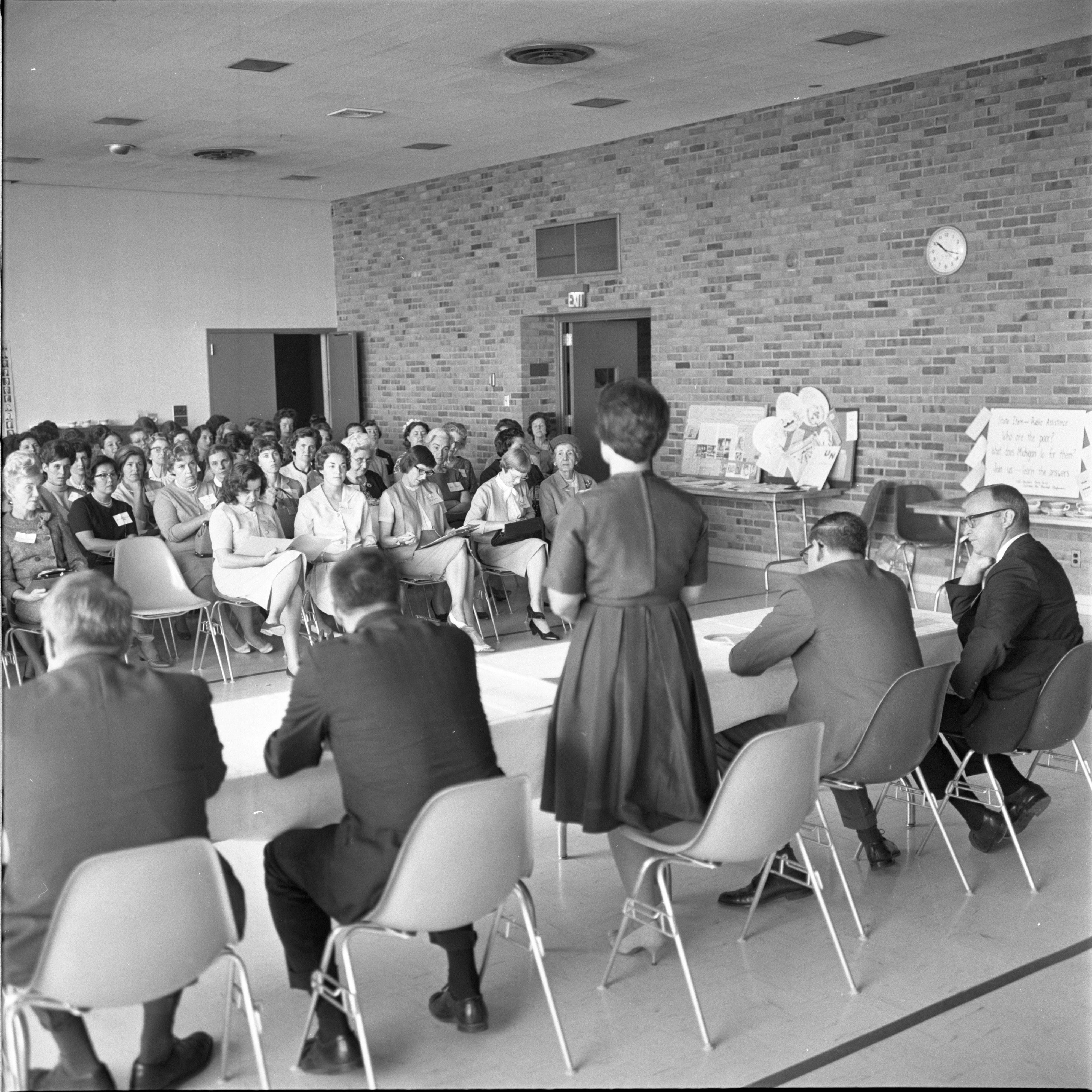 Ann Smith, LWV President, Speaks At The League Of Women Voters Annual Meeting, September 1964 image