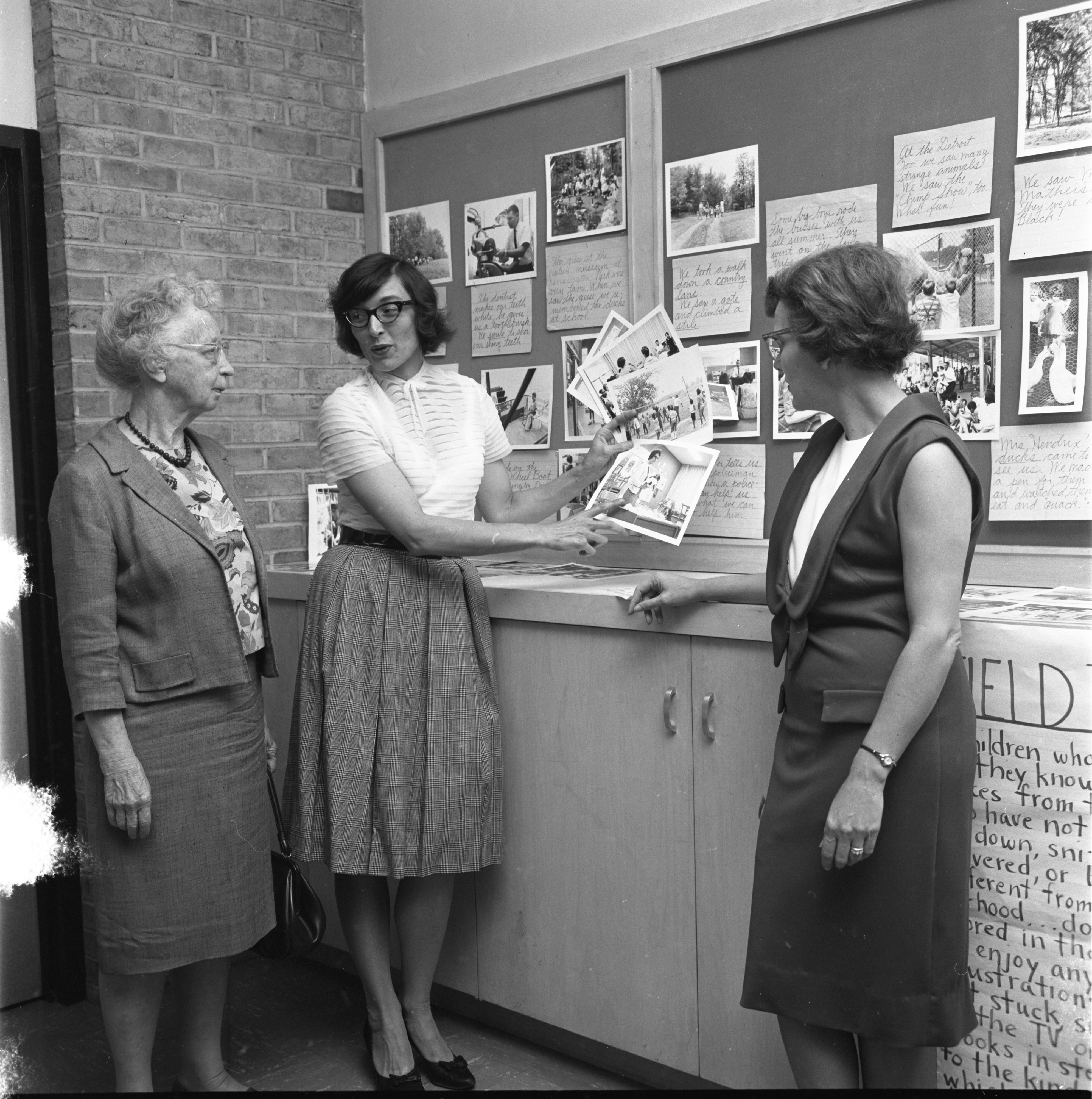 Operation Headstart Is Presented At The League Of Women Voters Membership Coffee, September 1965 image