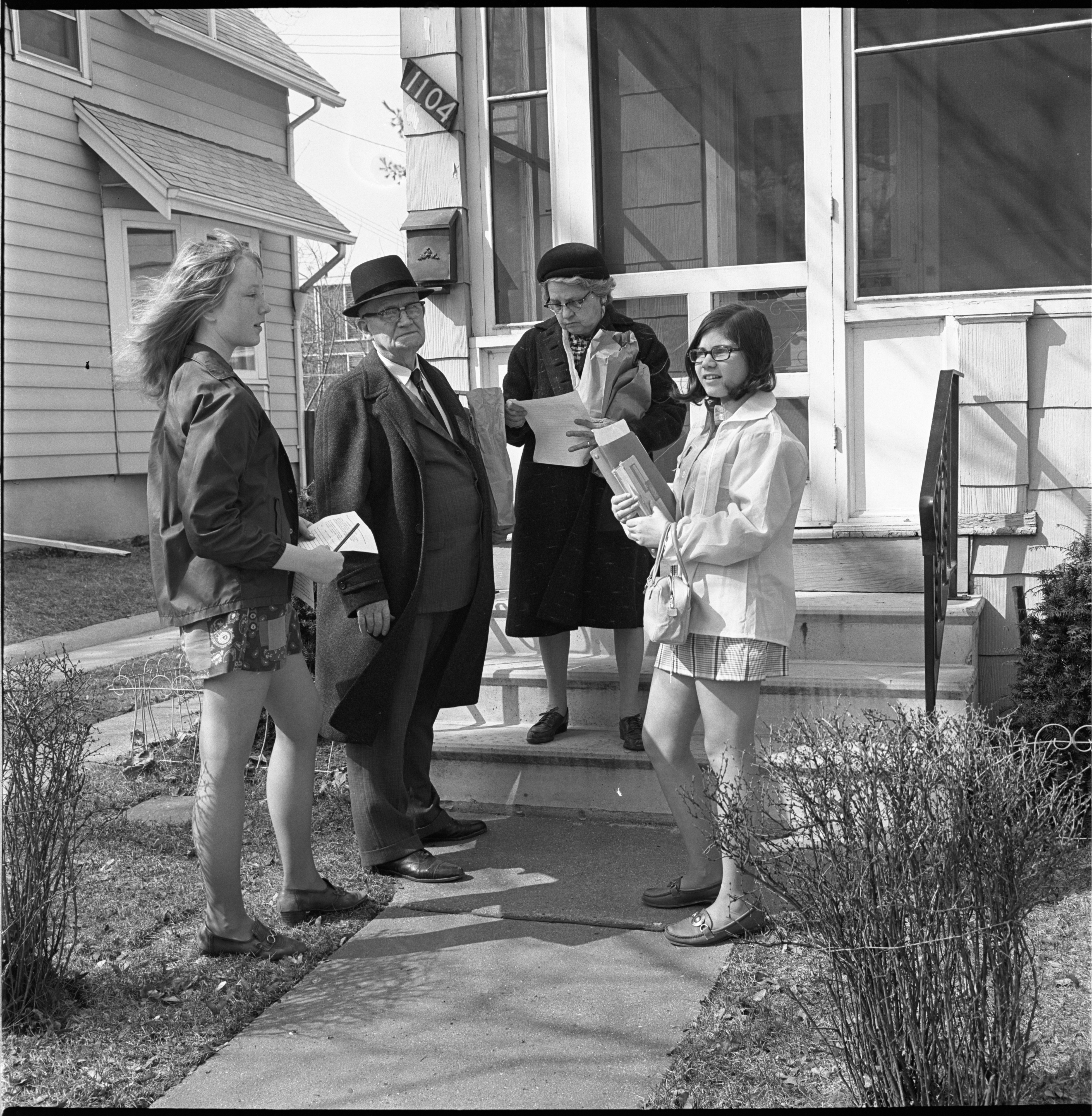 Sybil Johnson & Nanci Gerler Collect Signatures For A League Of Women Voters Petition, April 1970 image