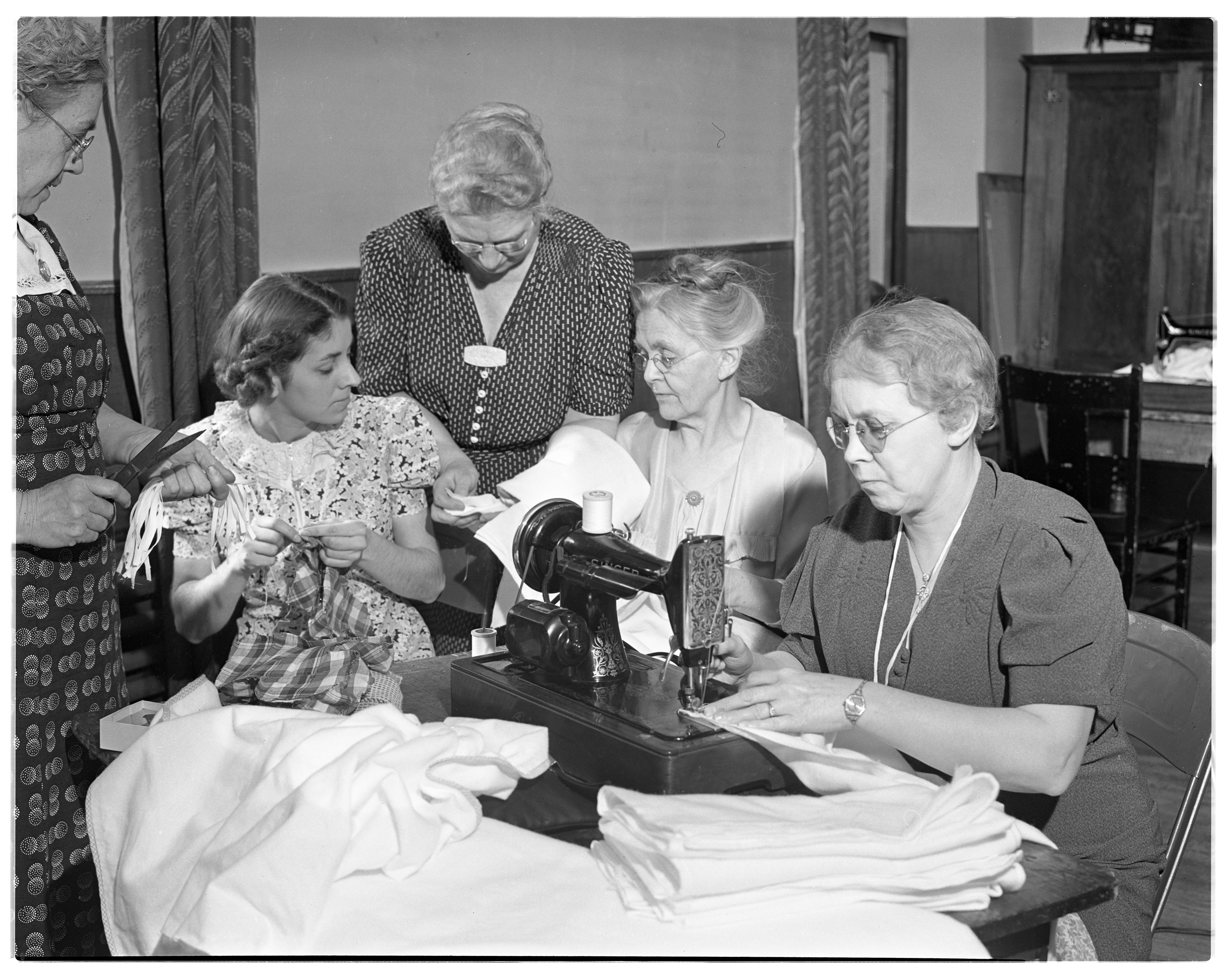 Red Cross: Sewing at Methodist Church, December 1939 image