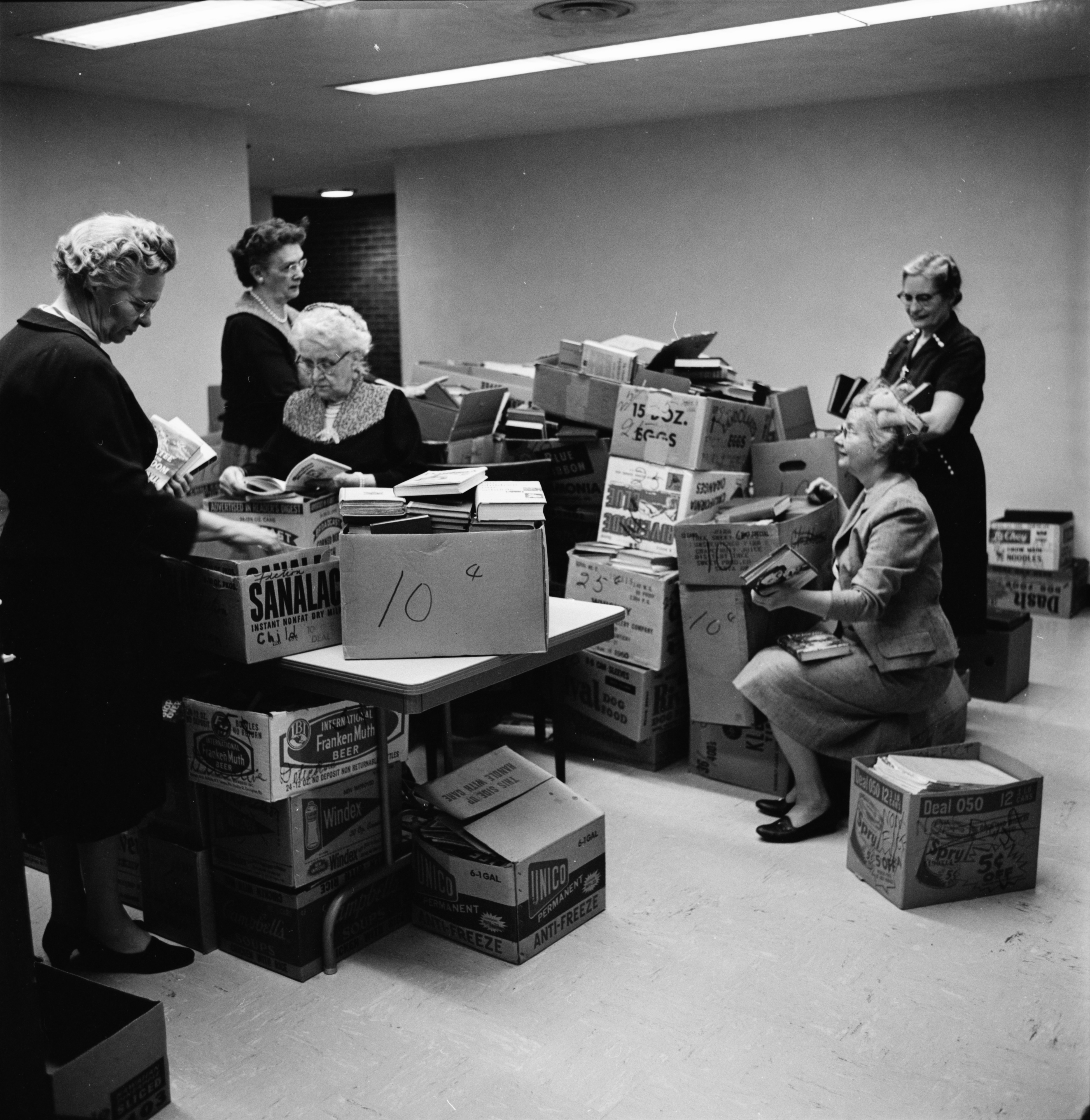 Friends of the Ann Arbor Public Library Volunteers Prepare for Book Fair, May 1961 image