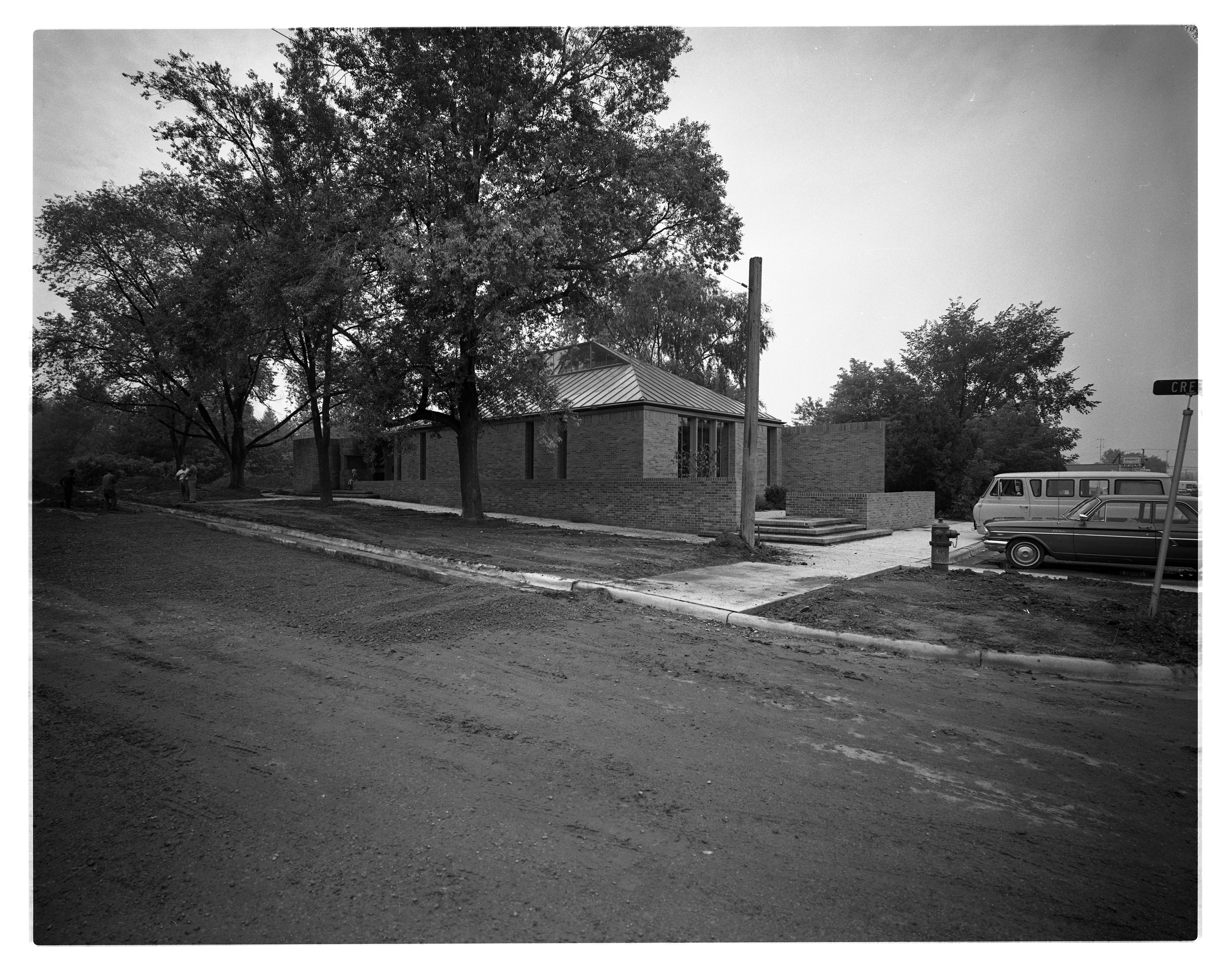 New Nellie S. Loving Branch Library Exterior, 3042 Creek Drive, September 1965 image