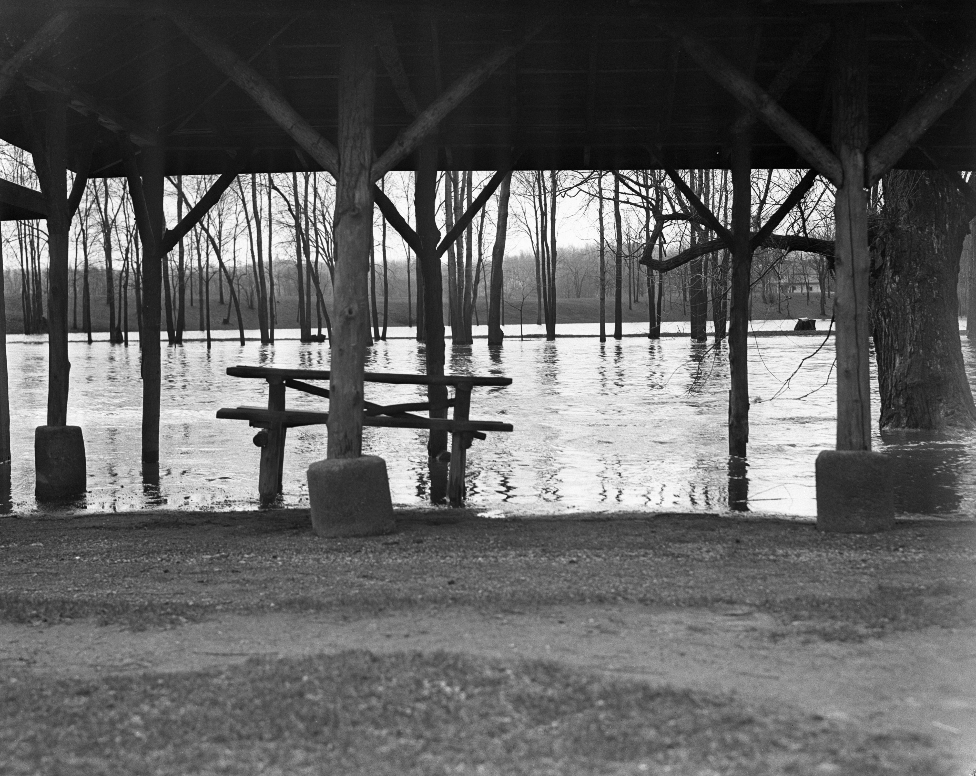 Second Stage of Huron River flood, Island Park, April 25, 1937 image