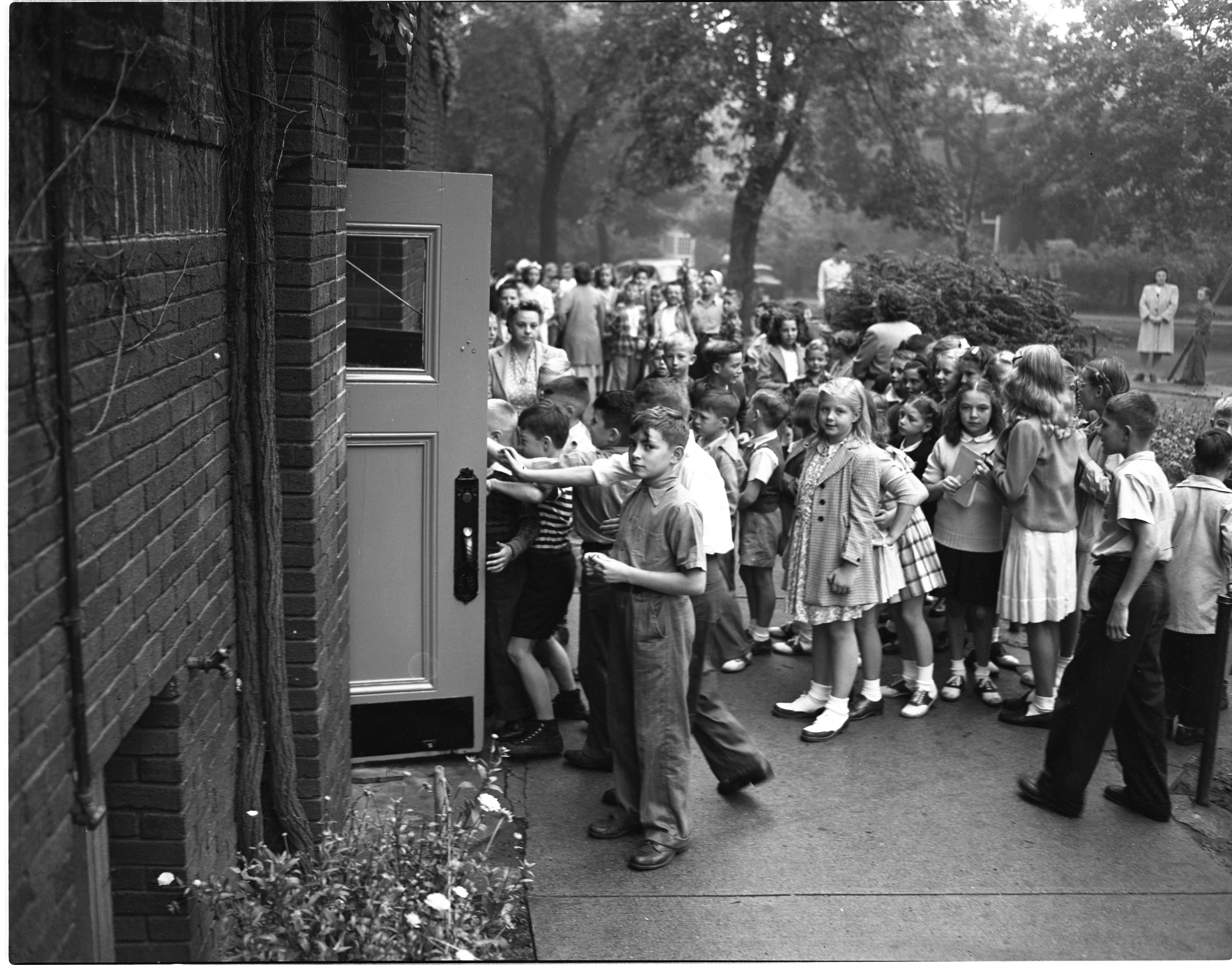 Students File Into Eberbach On The First Day Of School, September 1946 image