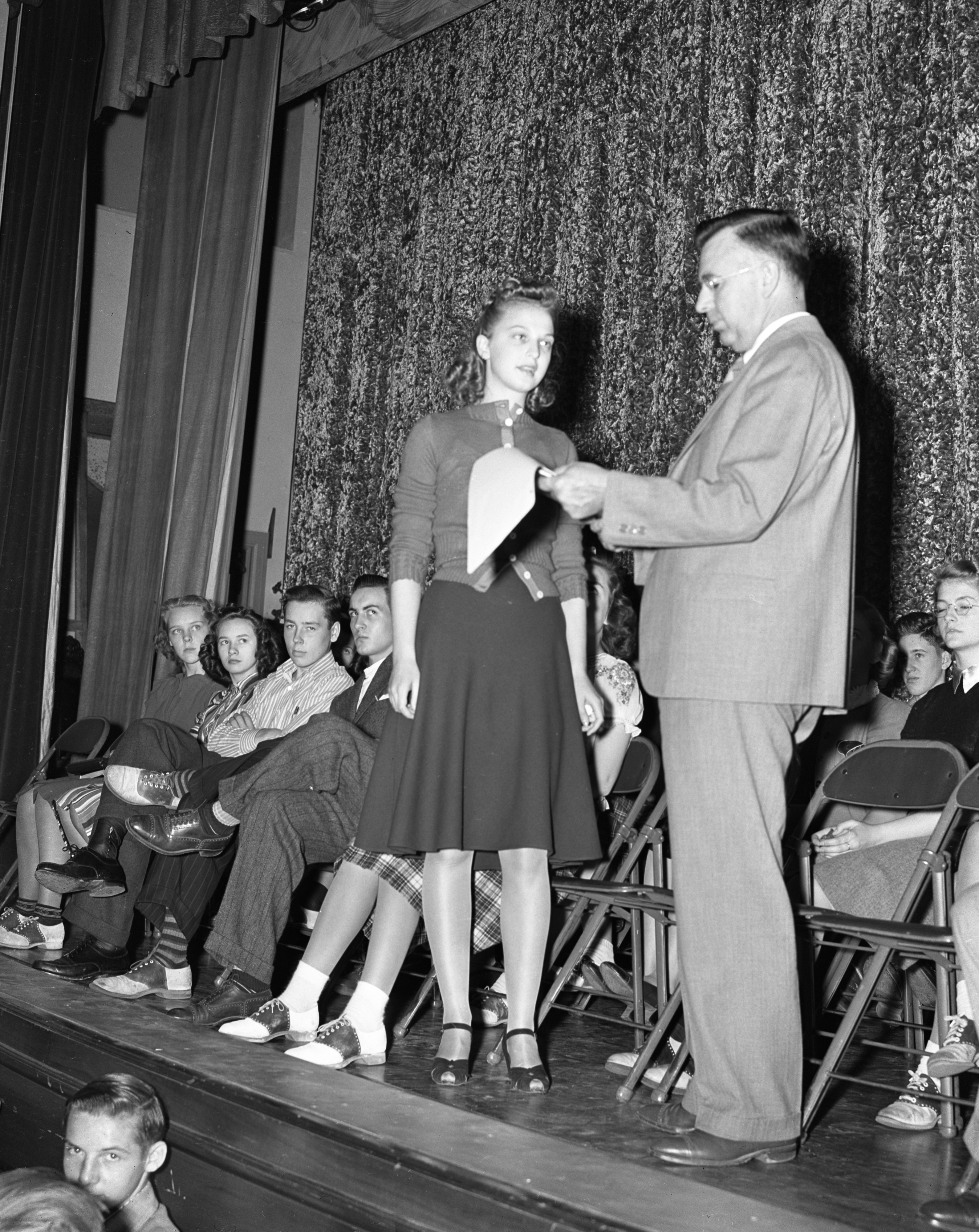 Swearing in Ann Arbor High School student council president, September 1939 image