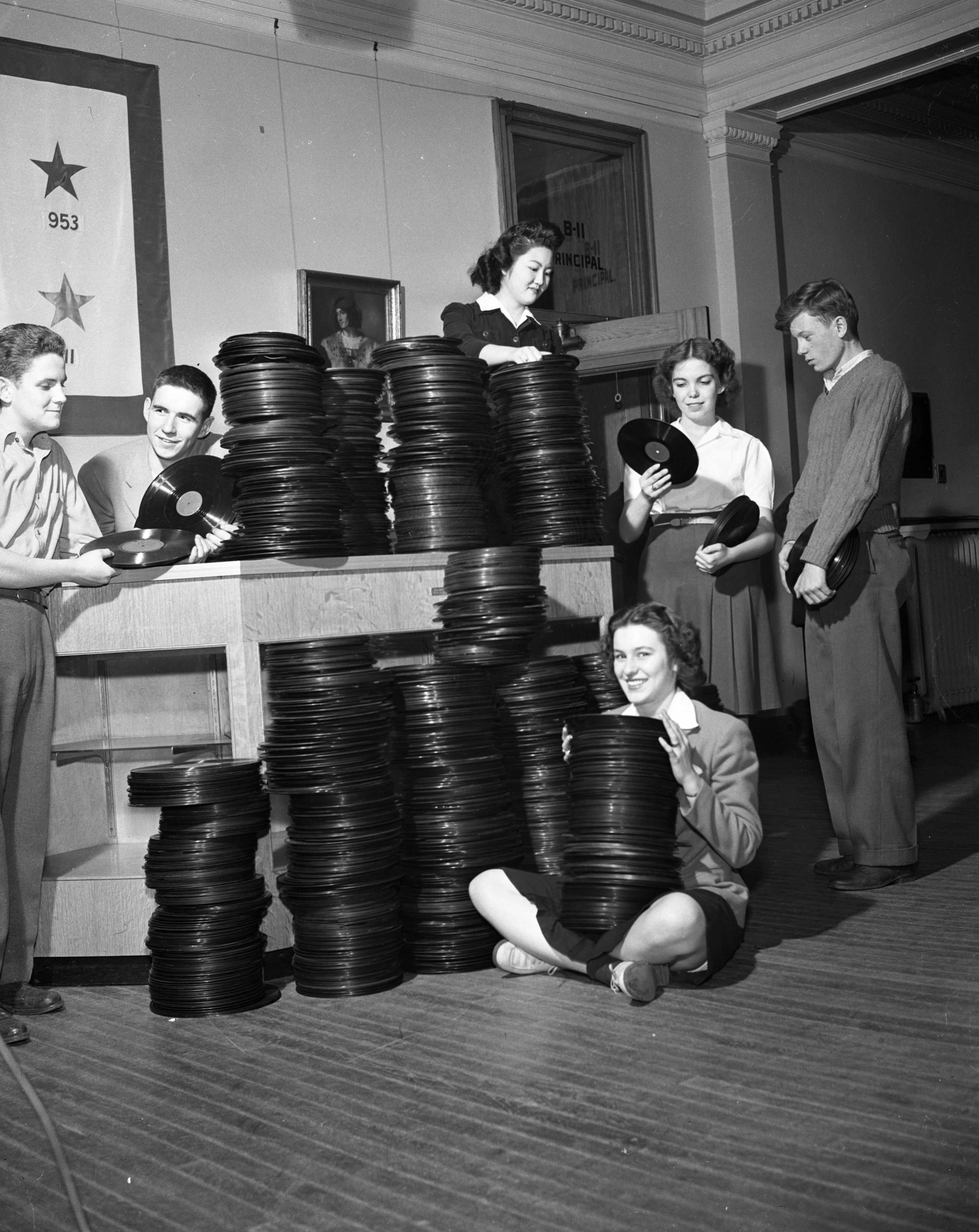Ann Arbor High School students collect old phonograph records to melt down for new records, April 1944 image