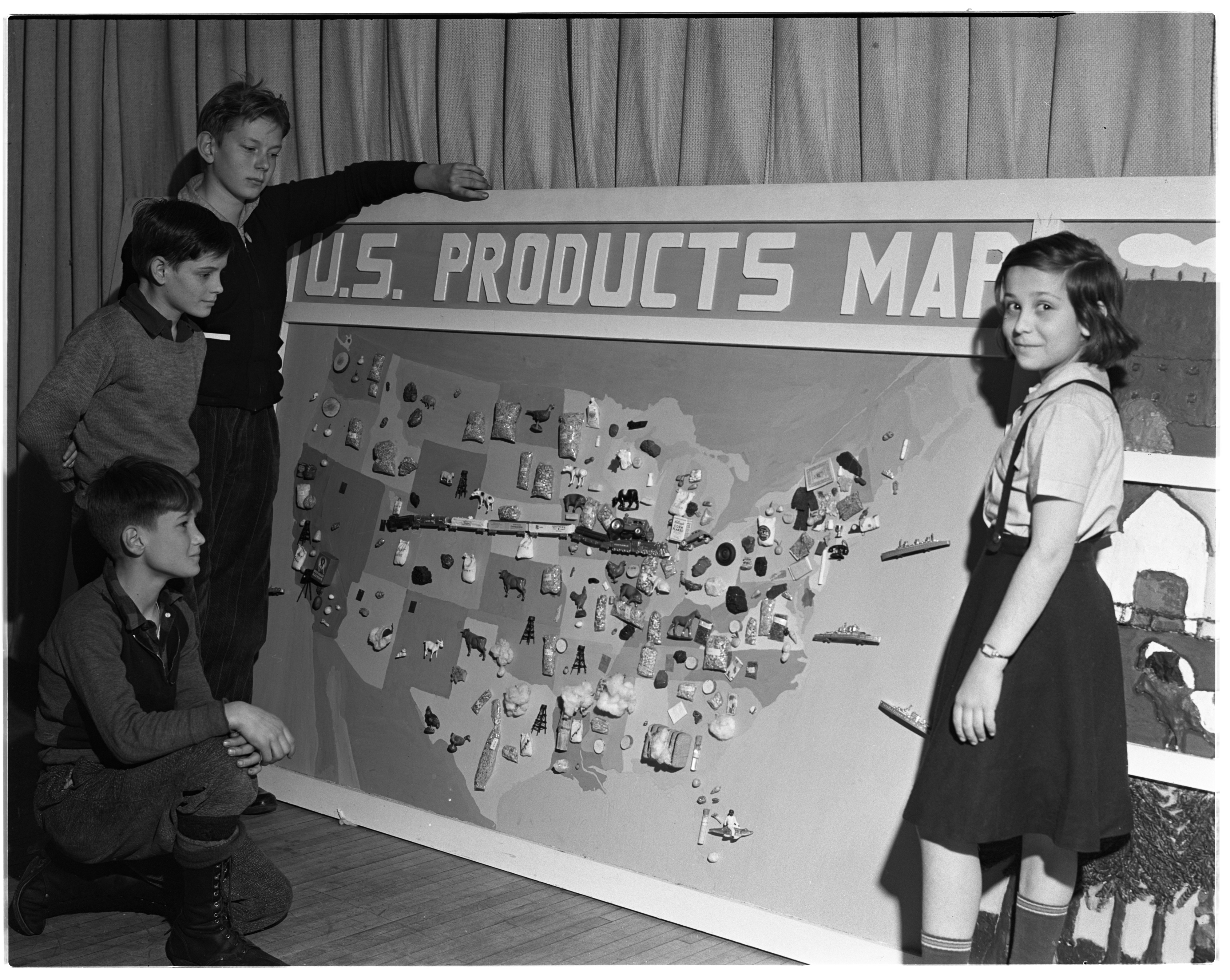 U. S. products map created by students at Angell School, January 1940 image