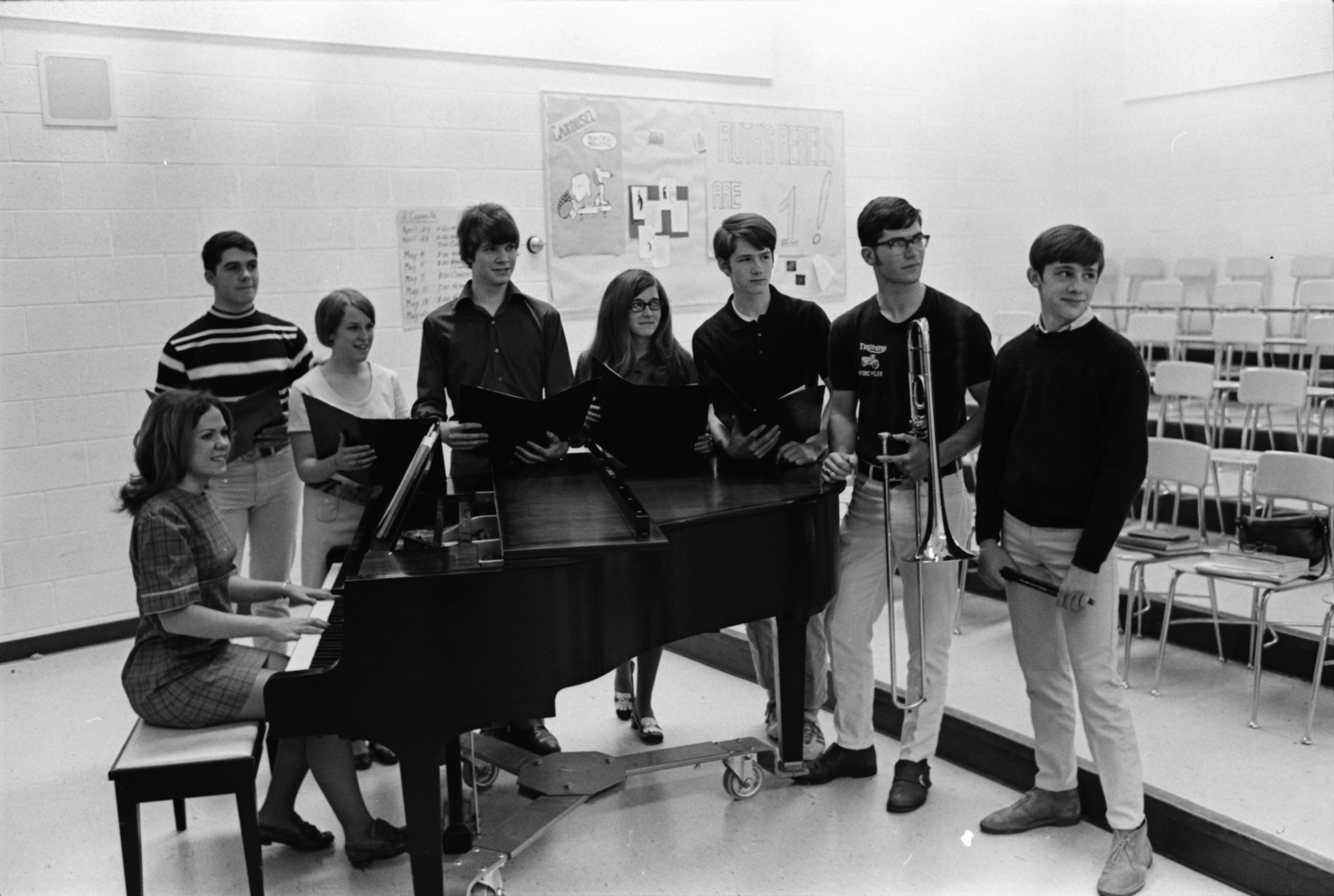 Huron High musicians prepare for spring concert, May 1970 image