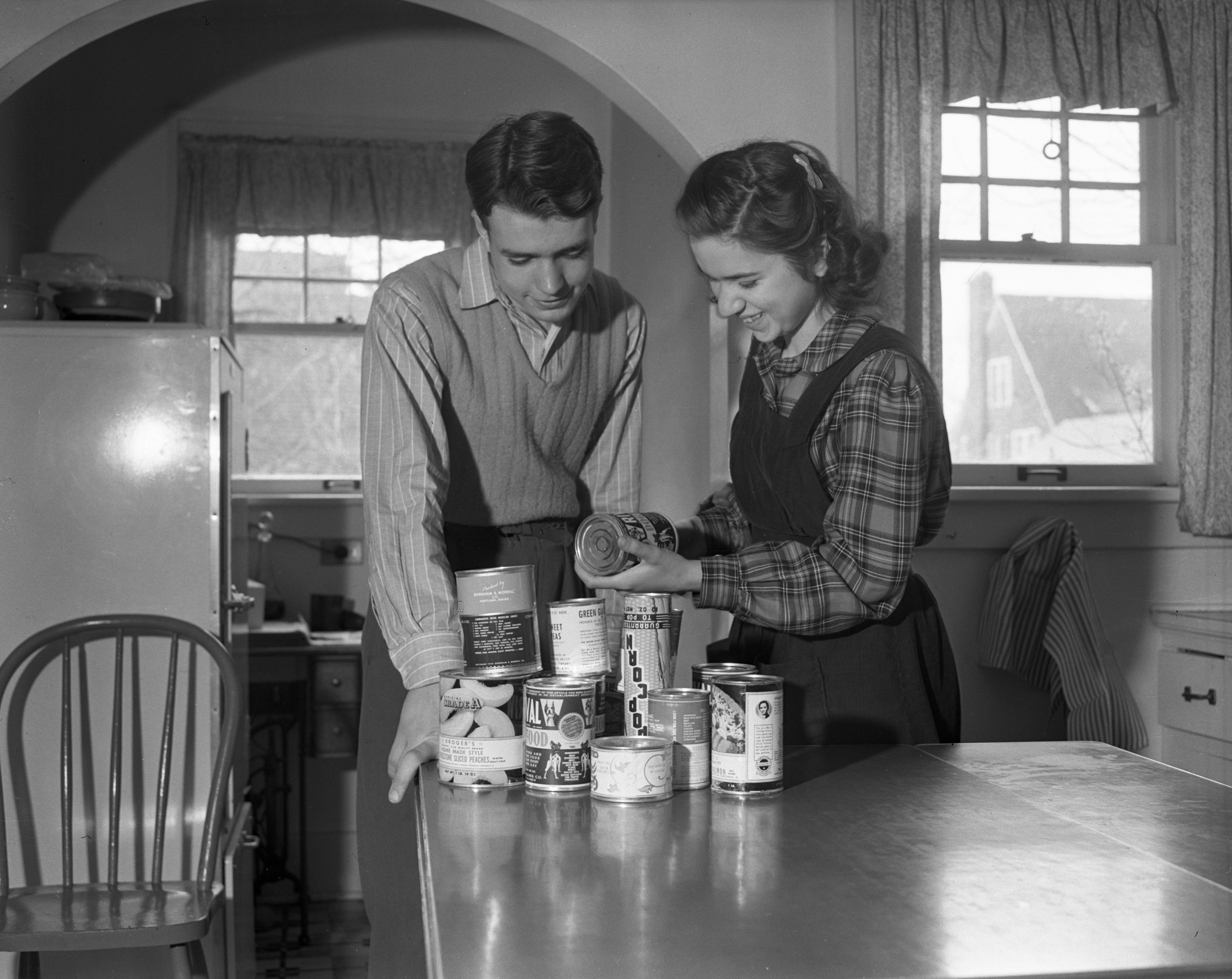 Bobby and Julia: Canned Goods, 1941 image