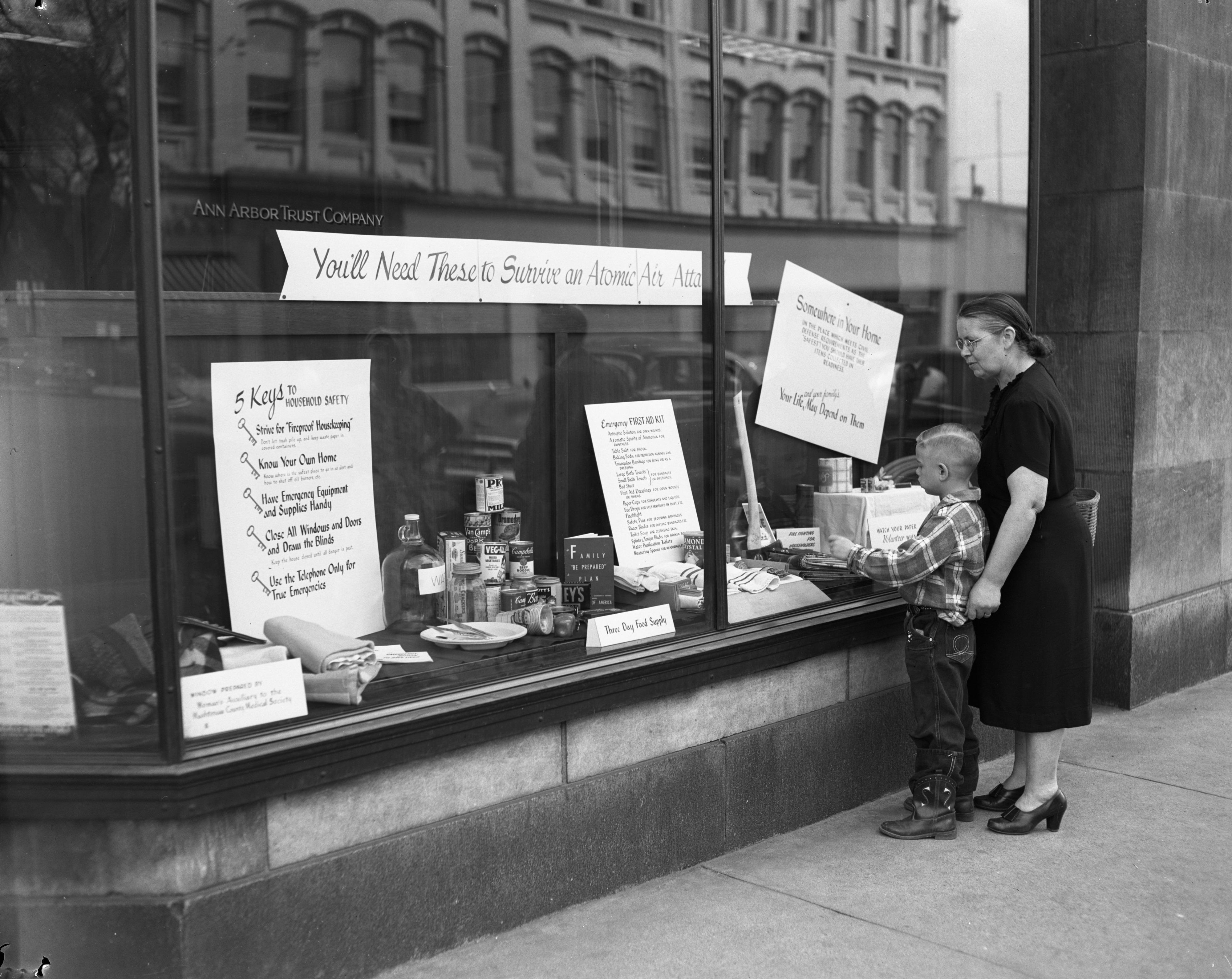 Atomic Survival display in window of Ann Arbor Trust Company, April 1952 image
