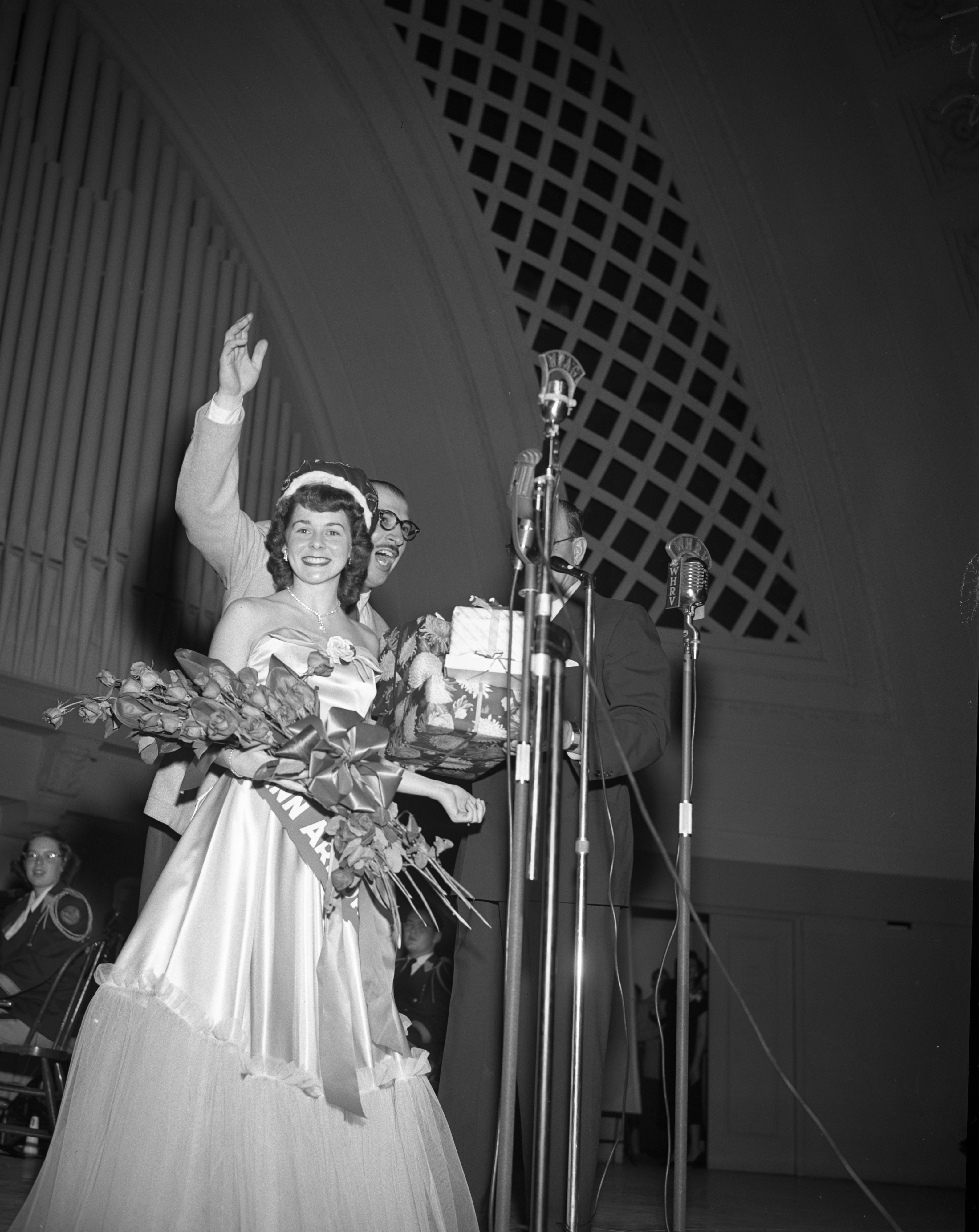 Marion J. Weinmann, queen of the 30th annual Community Chest Campaign, October 1950 image