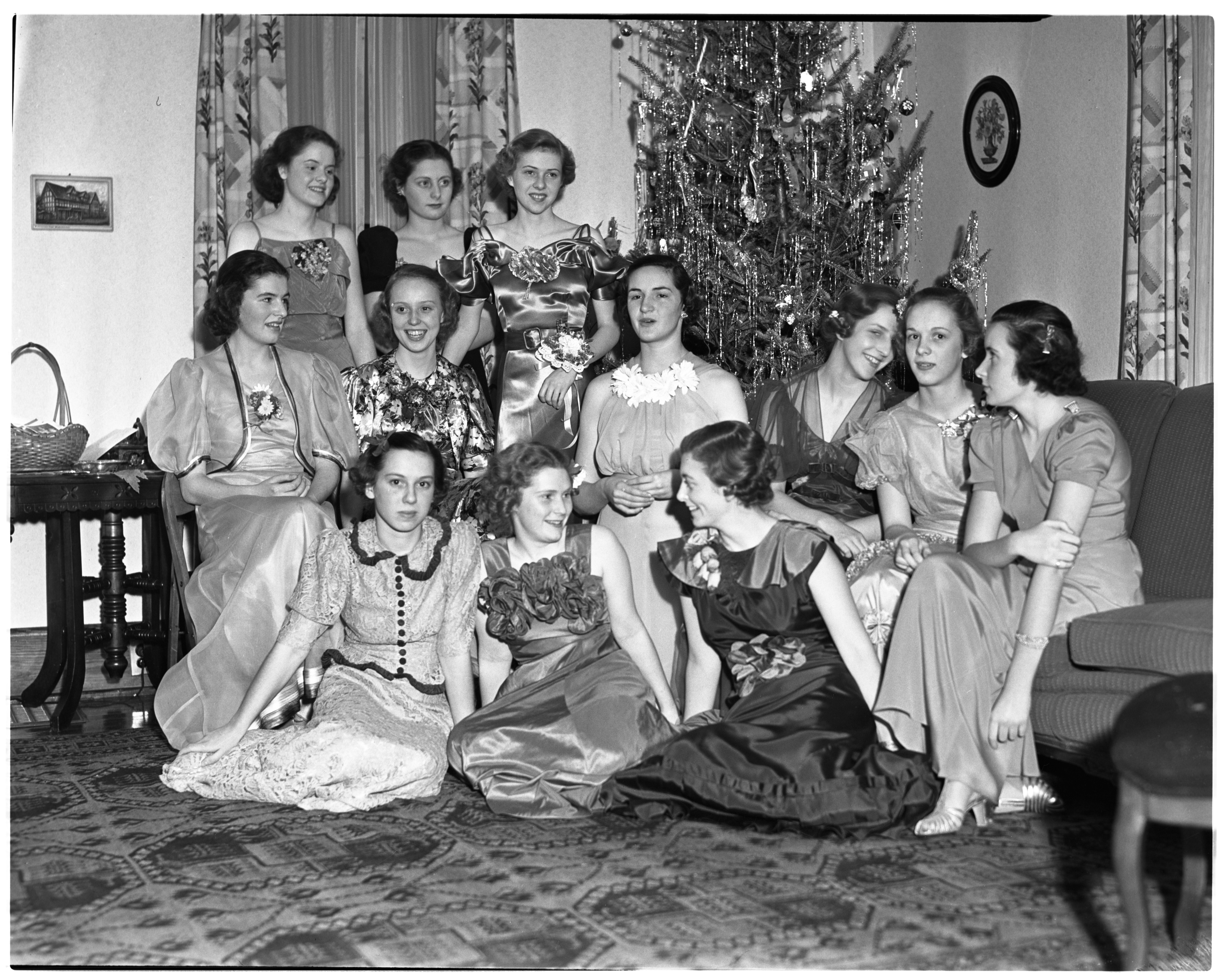 Phi Kappa Sigma Christmas Party, December 1936 image