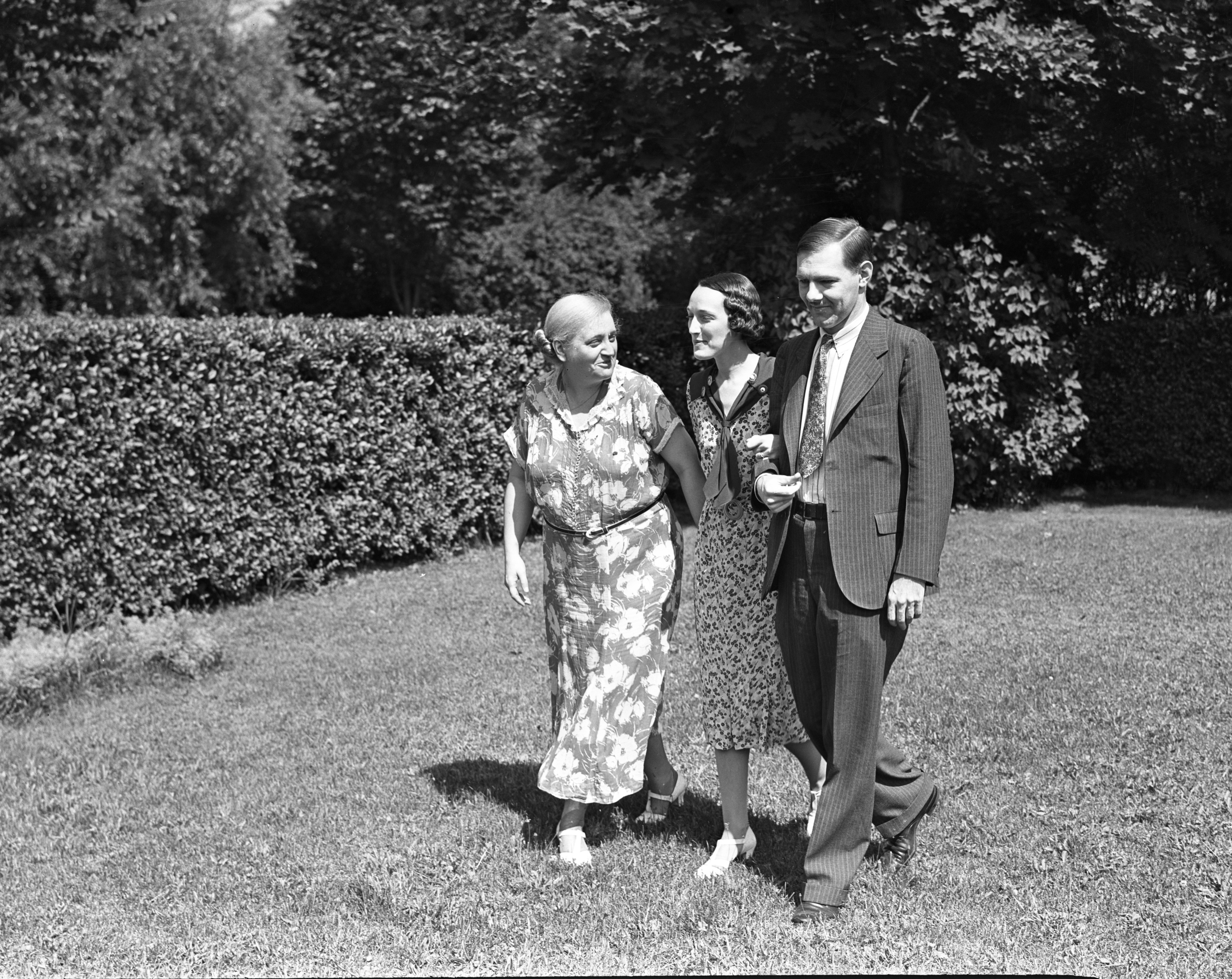 Guests of Professor Julio Del Toro and wife Marguerite, 1938 image