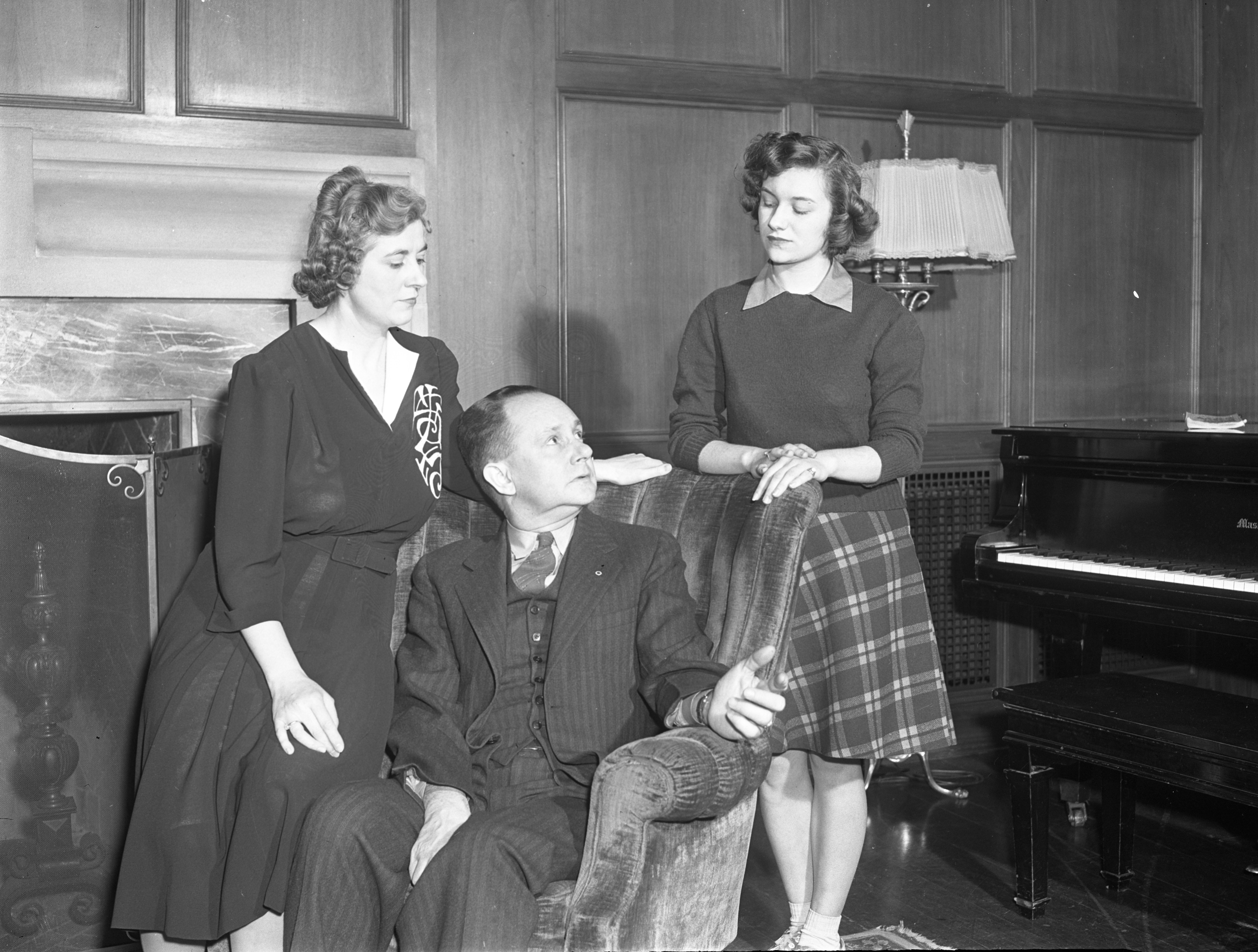Ann Arbor Civic Theatre Cast Members Rehearse A Scene From 'The Thirteenth Chair,' February 1942 image