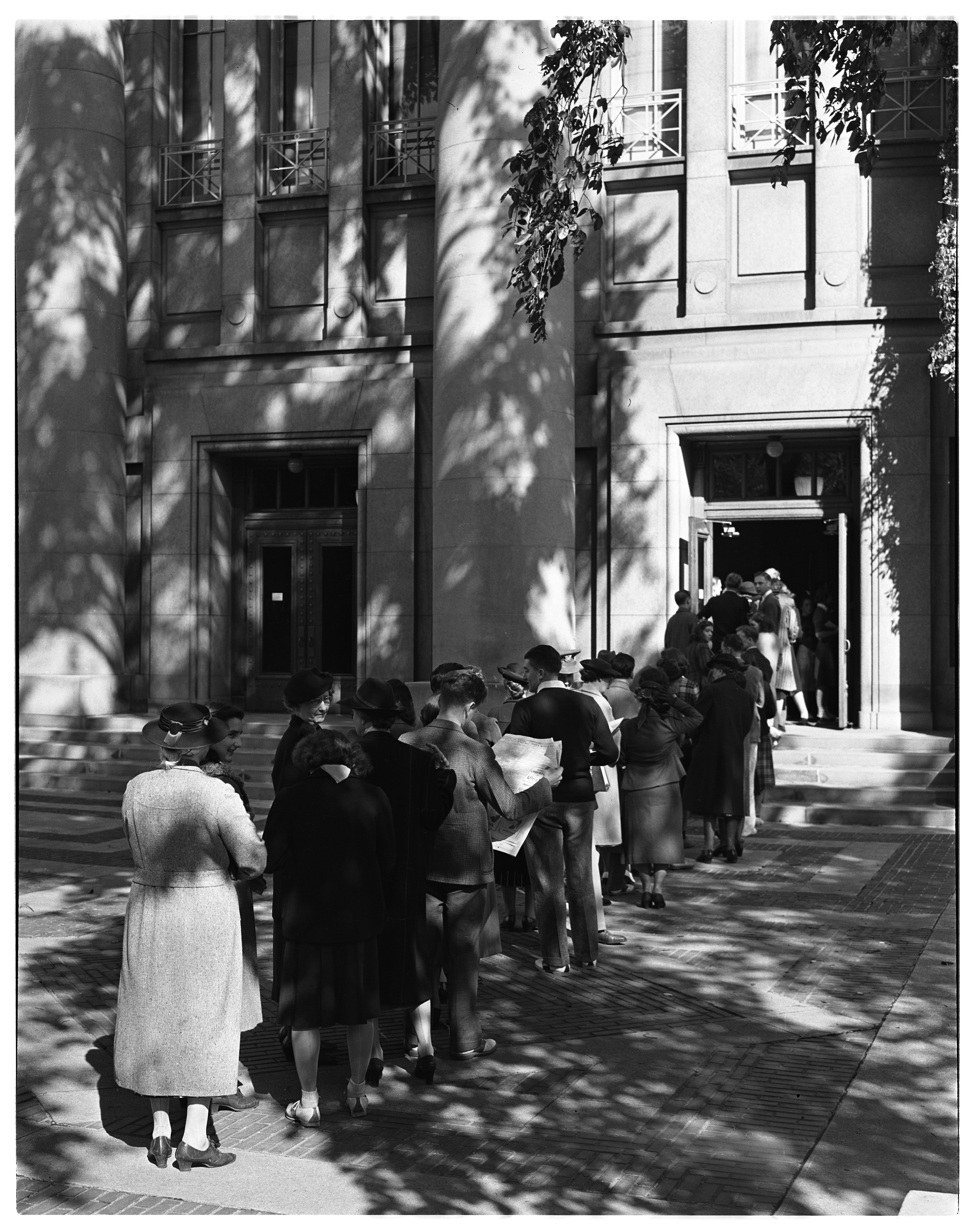 Lining Up for Tickets, Hill Auditorium, September 1939 image