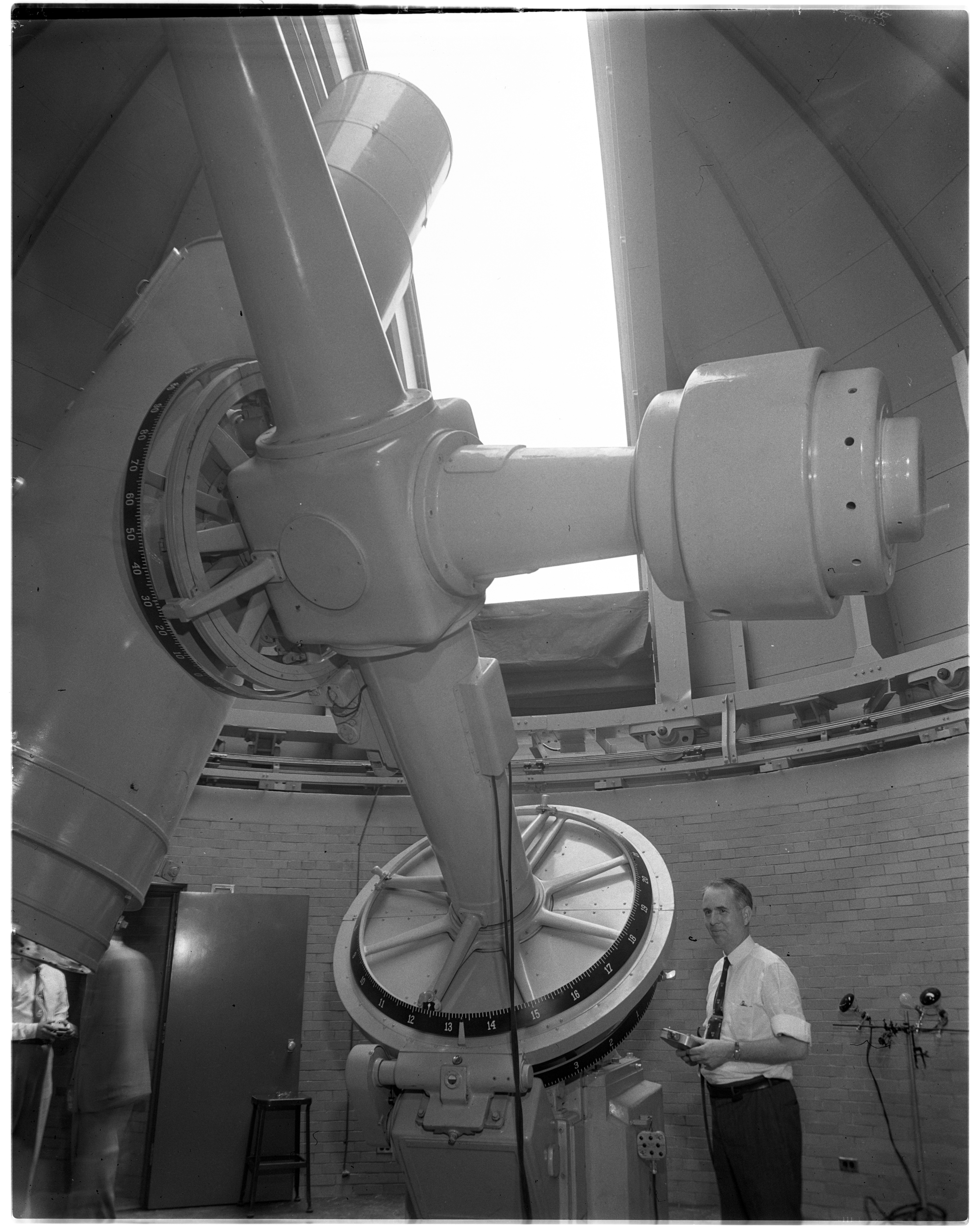 Dedication of Curtis-Schmidt Telescope, Portage Lake Observatory, Peach Mountain, June 1950 image